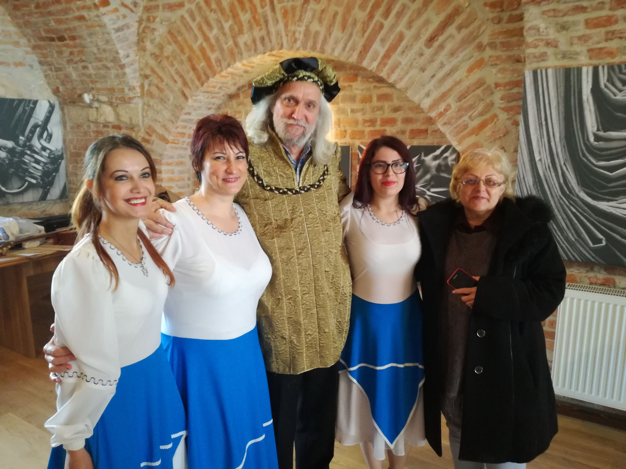 Creative workshop at Oradea fortress (Jewish folk dancers)