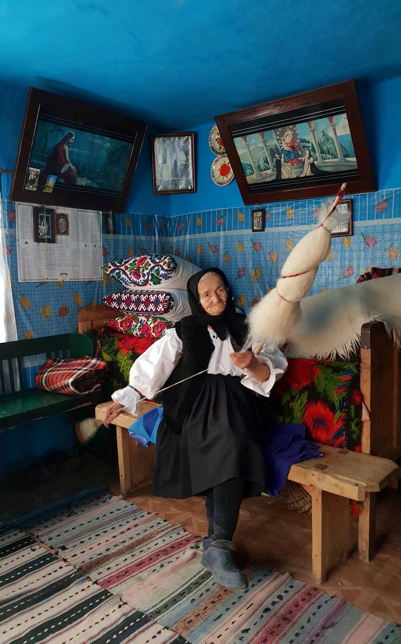 Mirela Cacuci (Romania) - Tradition