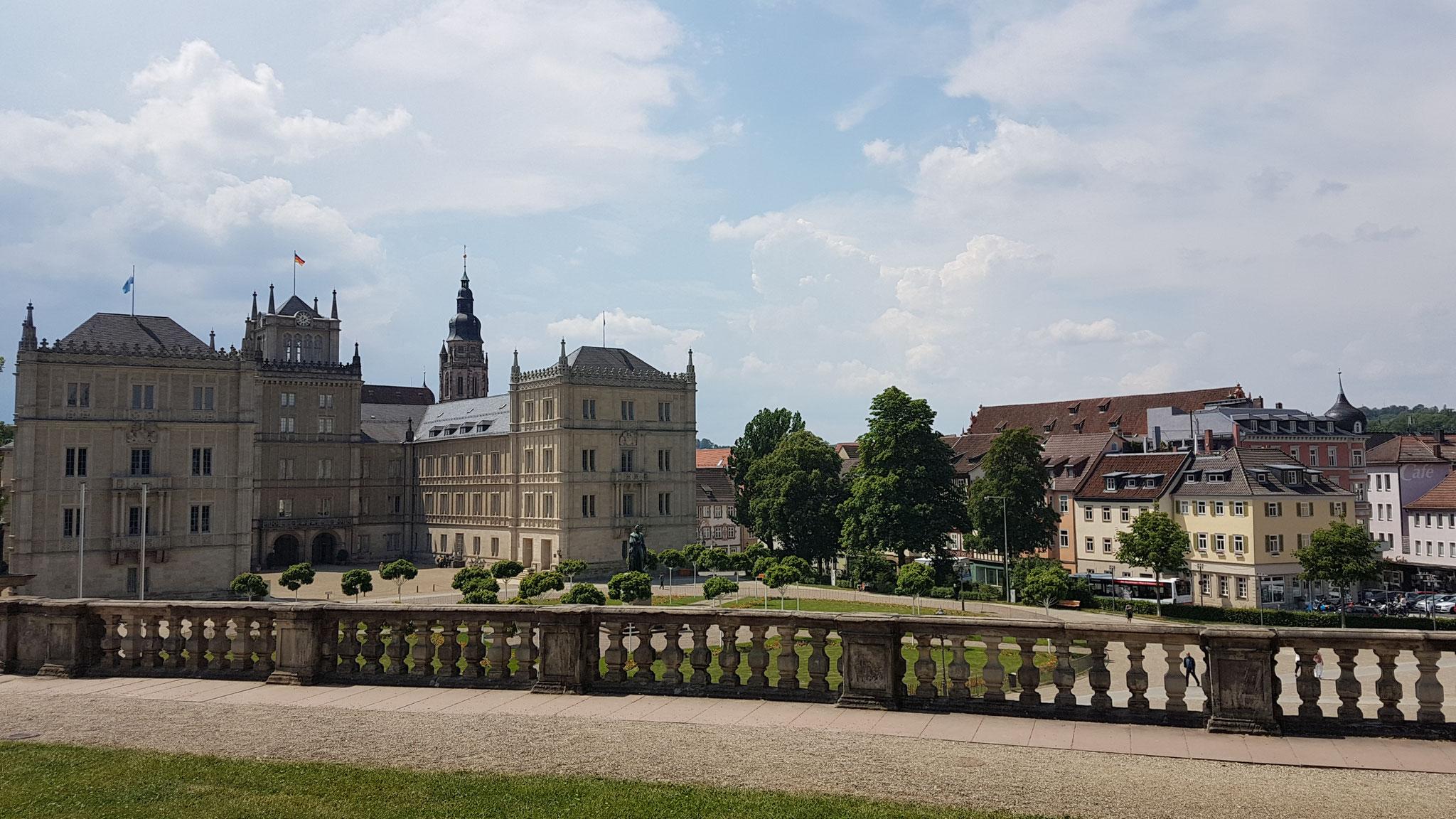 Blick vom Hofgarten auf die Ehrenburg
