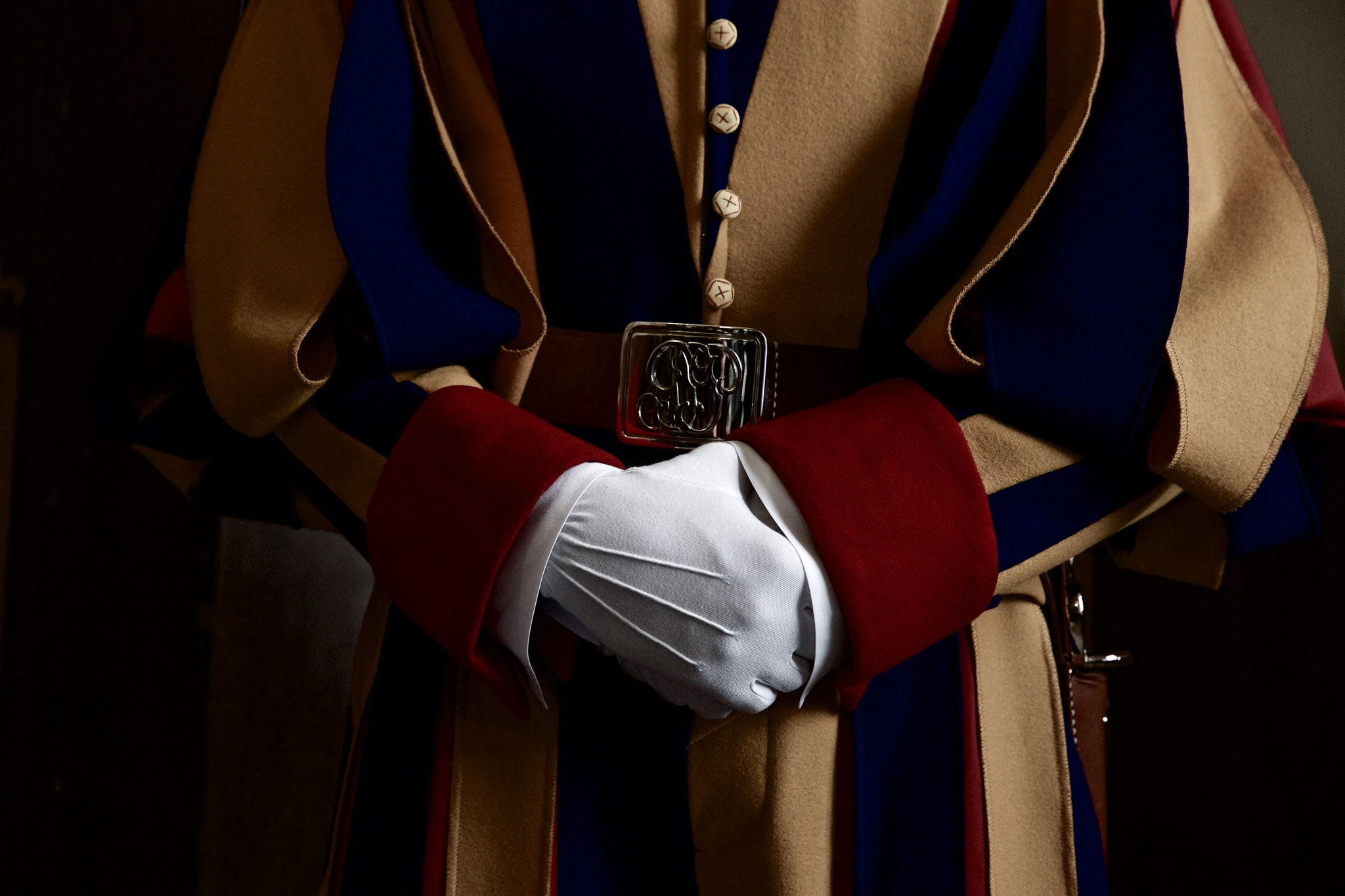 The typical hand position of a Swiss Guard.