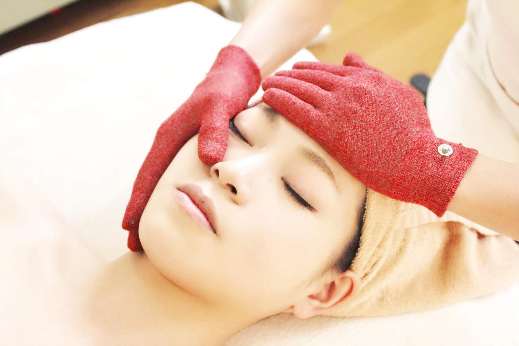 ナノカレントで肩、お顔、頭皮まで流れをよくします