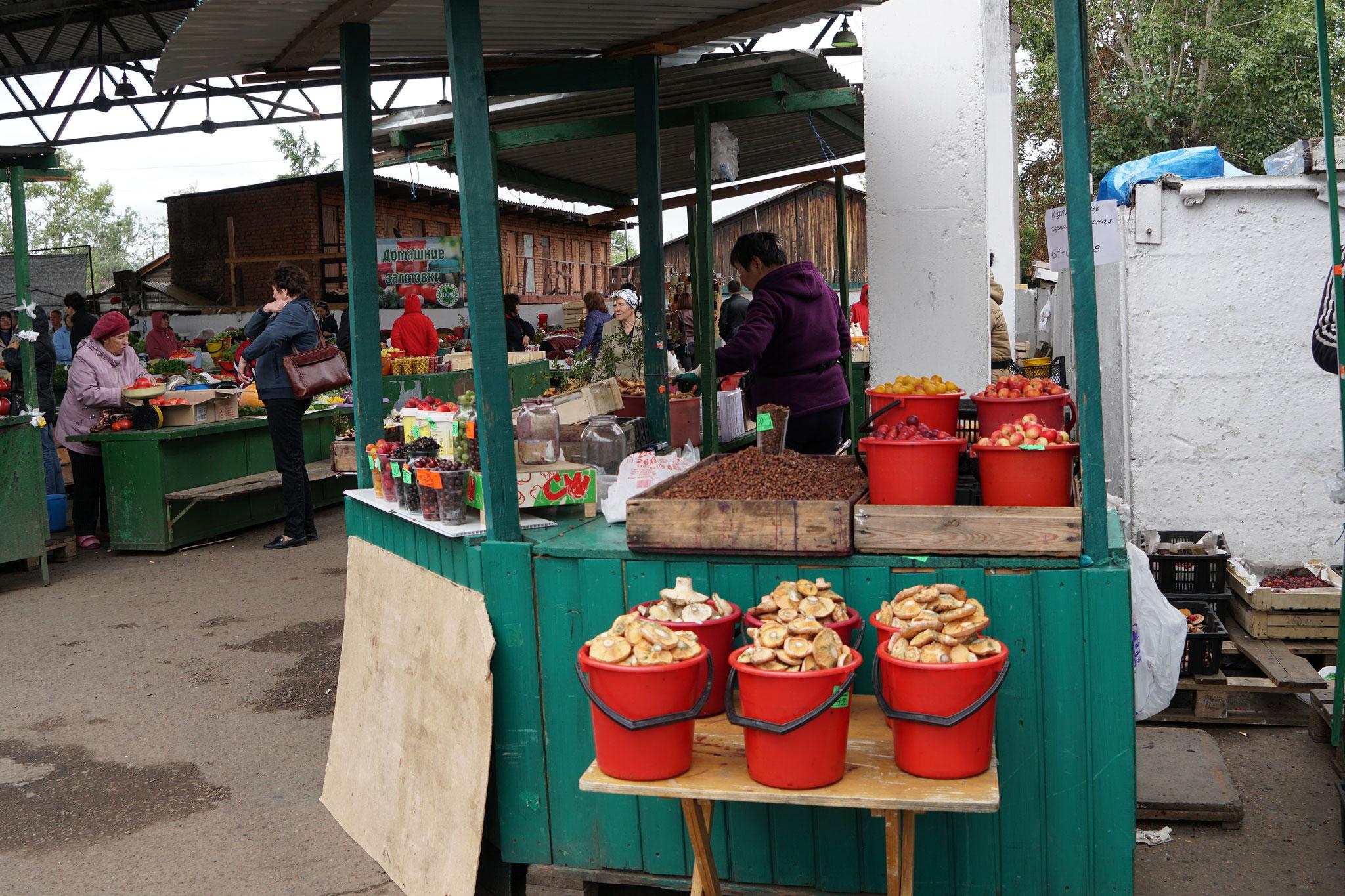 Frische Pilze wurden überall angeboten...