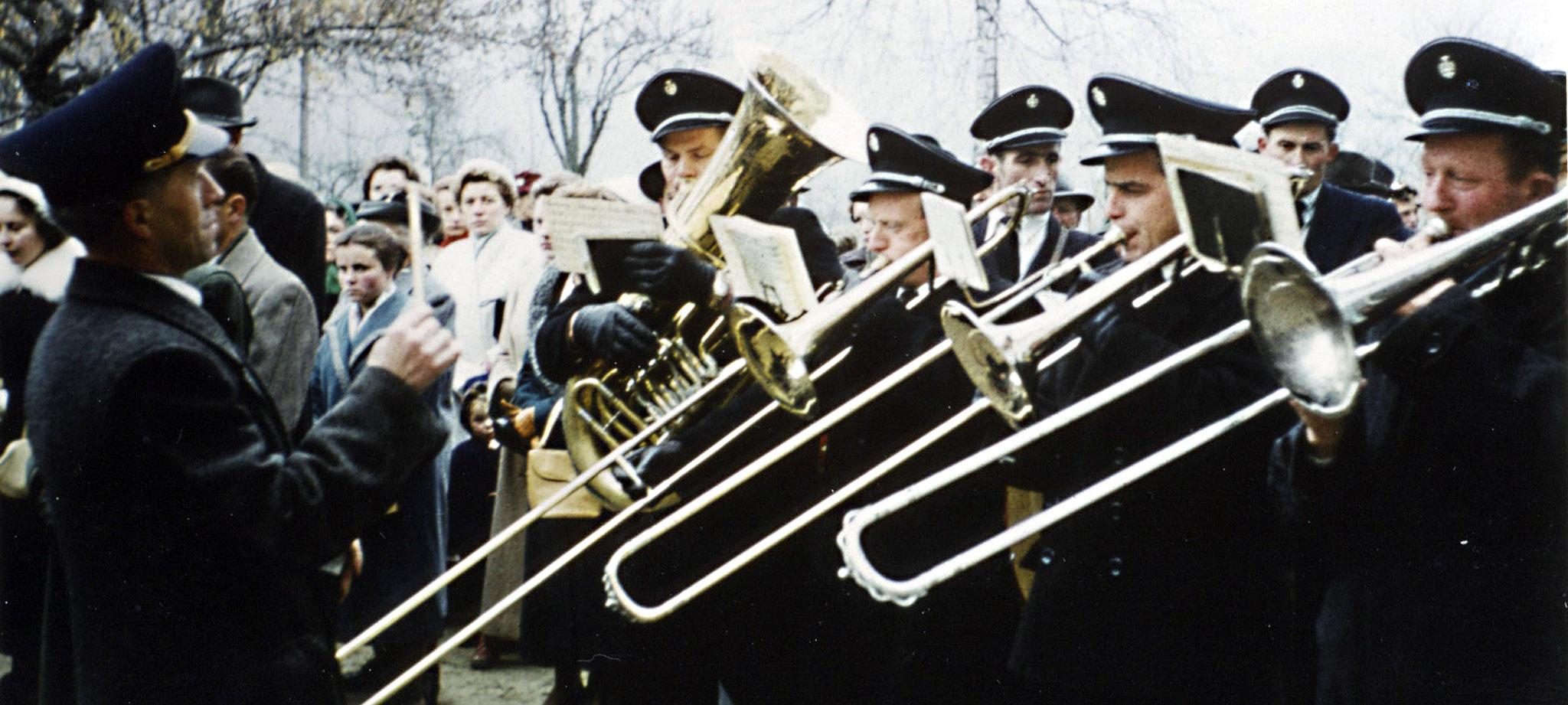 1958.11.27 - Weihe d. neuen Schule i. Epf.-2