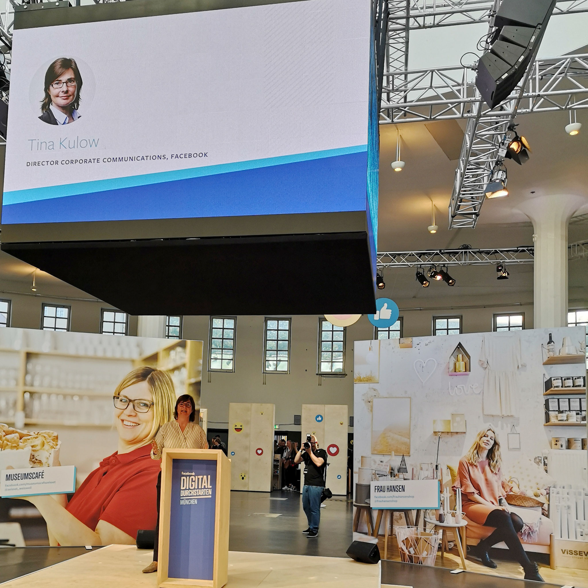 Miriam Meckel (Wirtschaftswoche), Tina Kulow (Facebook) und Florian Faab 2018 in München