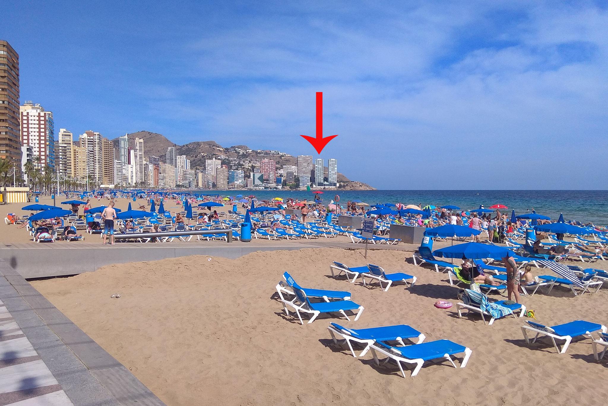 Пляж Леванте - ближайший песчаный. Отмечен нужный дом