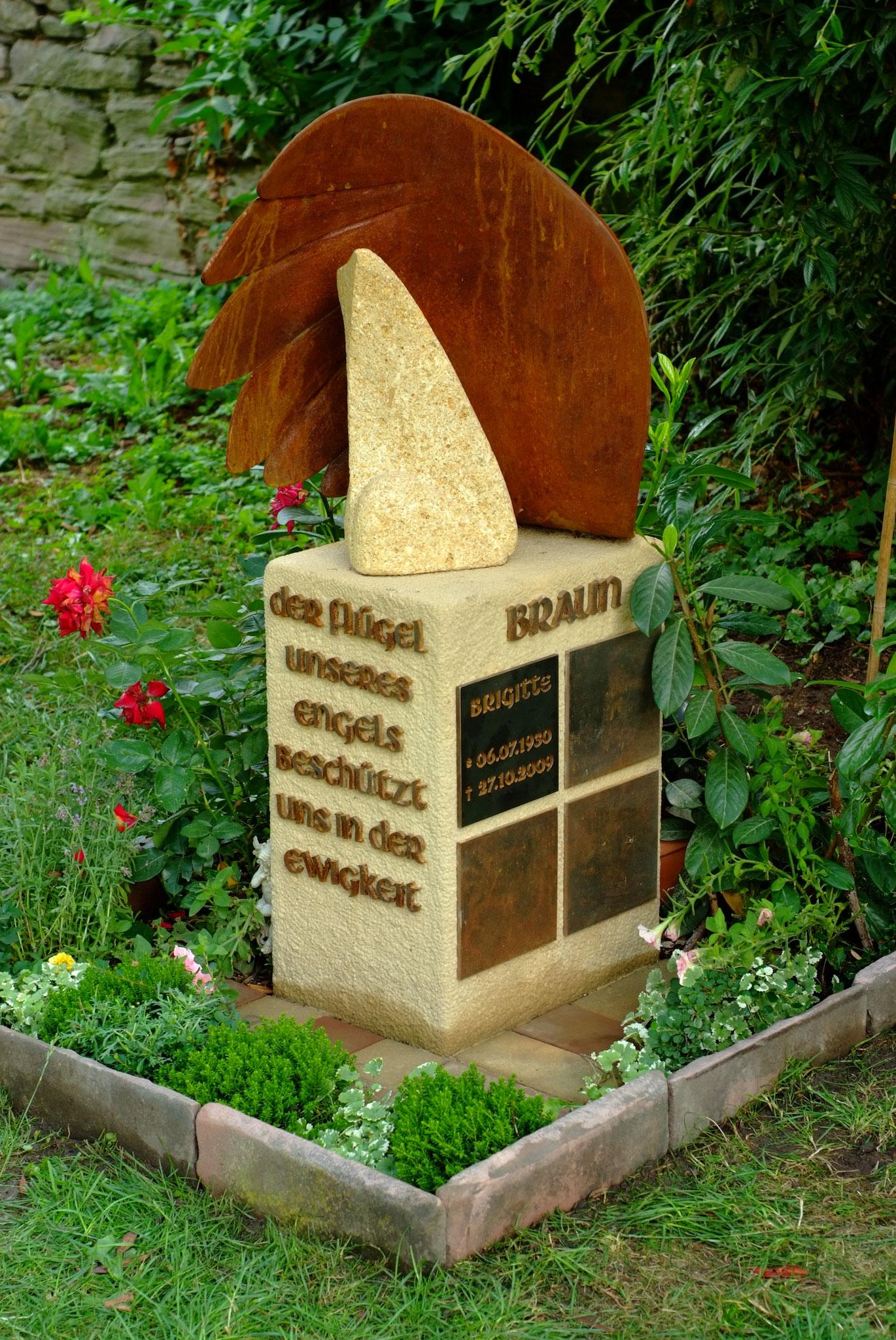 Grabstein von Kai Wolf für den Expressionisten Hans Braun