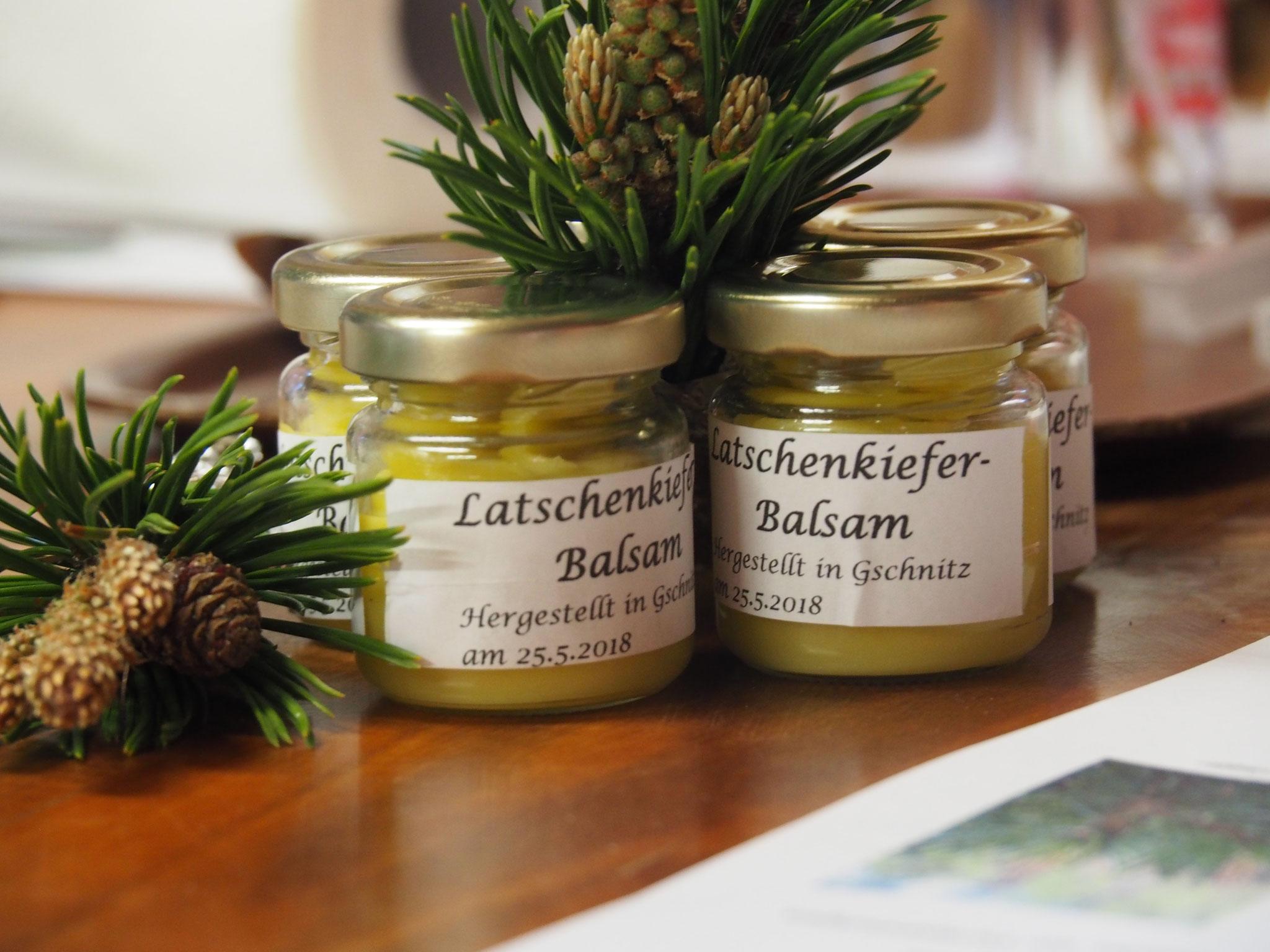 ....Latschenkiefer-Balsam Herstellung    Foto: D. Plattner