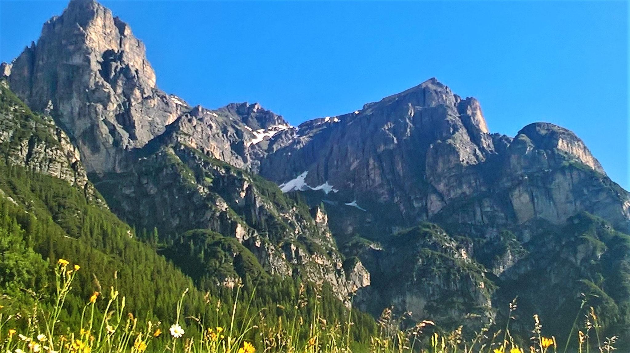 Kirchdach mit Kirchdachspitze