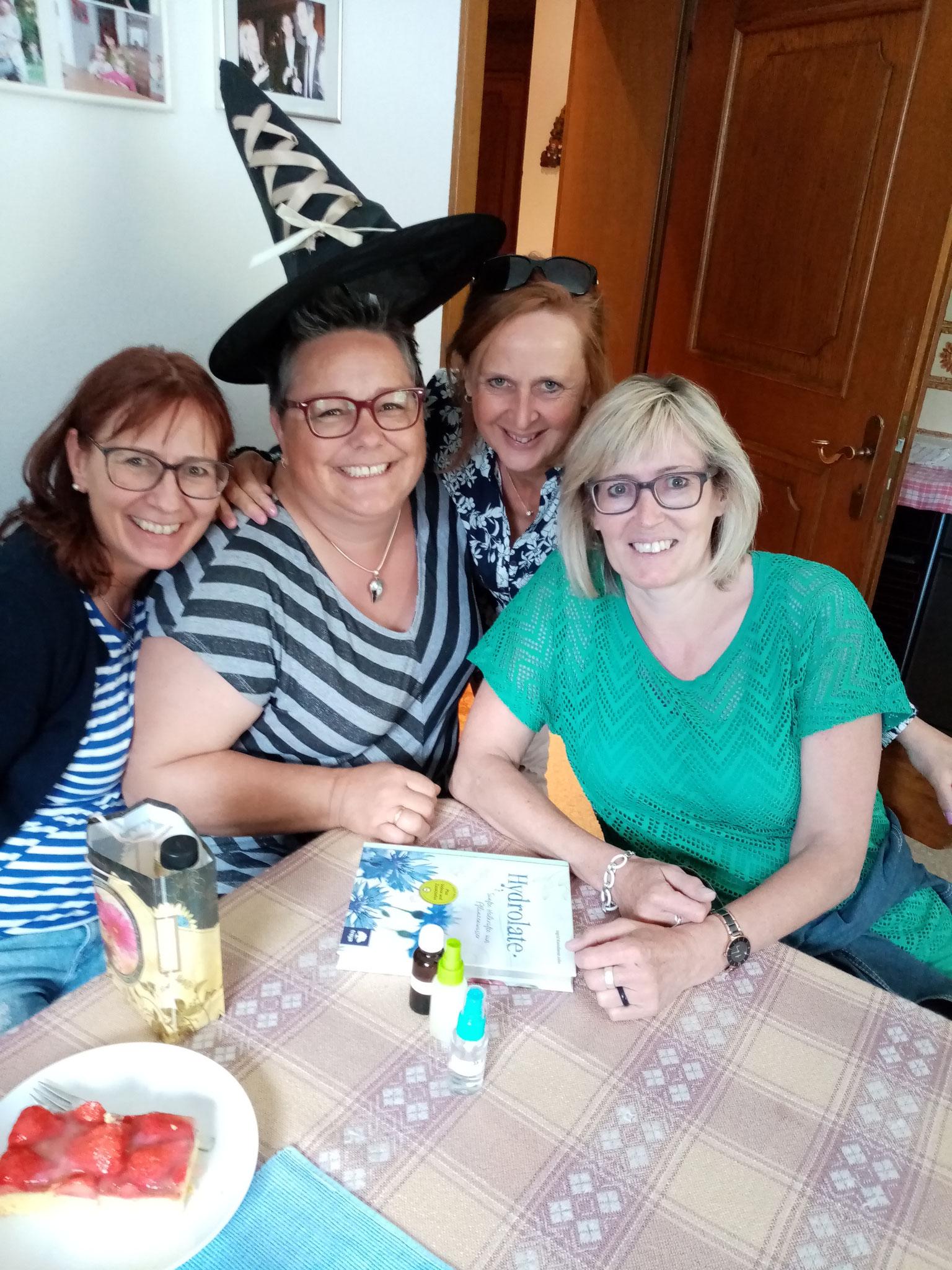 Die Geburtstagsüberraschung der Freundinnen vom Arlberg ist gelungen!
