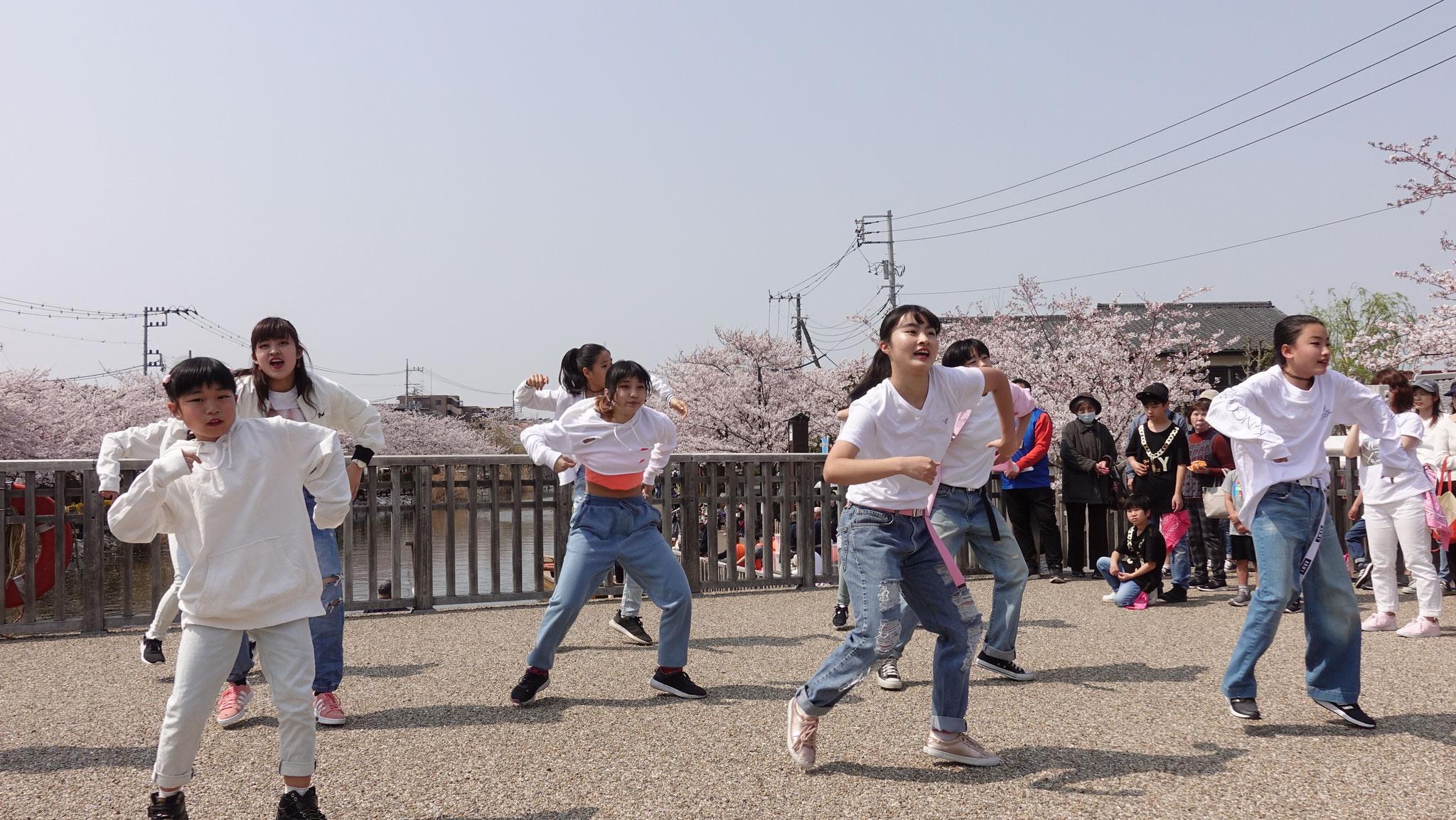 桜を意識した作品☆衣装もぞれぞれよく考えられてました!