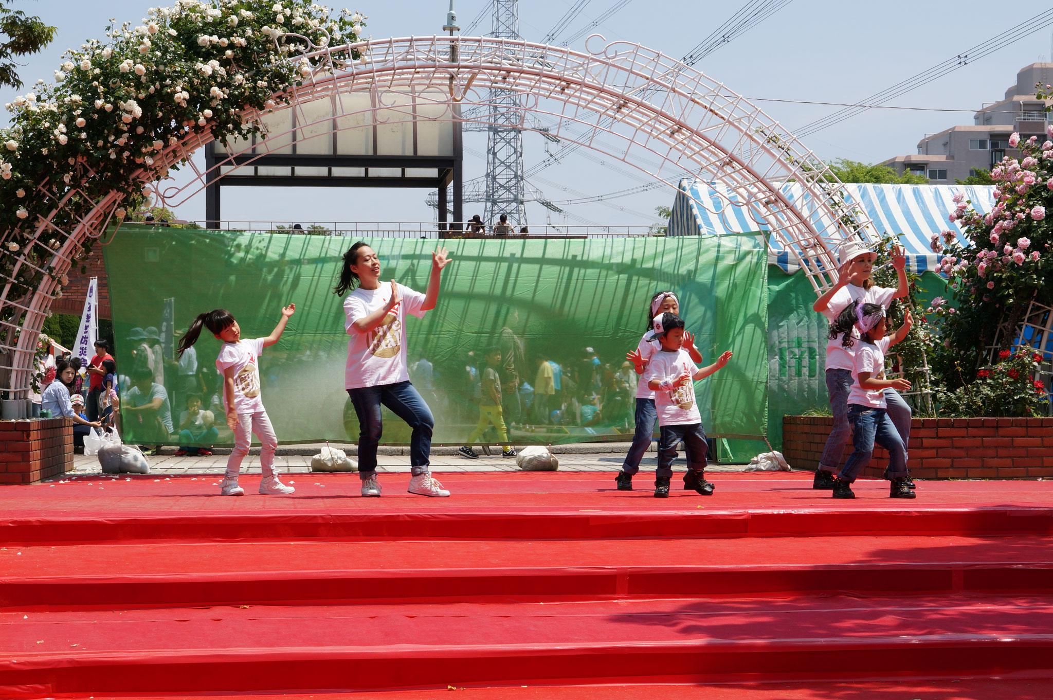 今回発表は2組の親子さんだけでしたが親子ダンスクラスも人気です