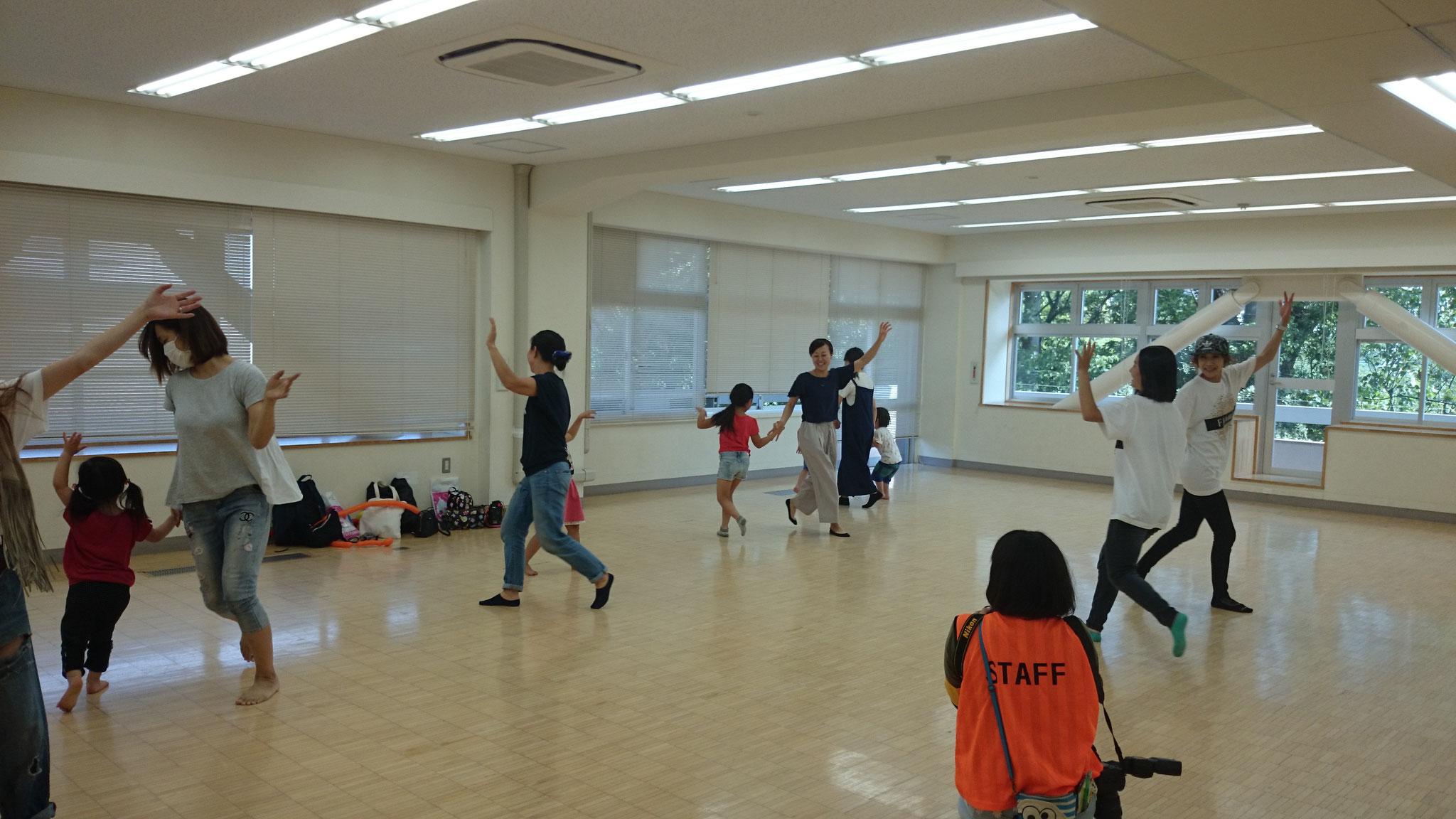 親子ダンス体験も多くの親子さんにご参加いただきました♪