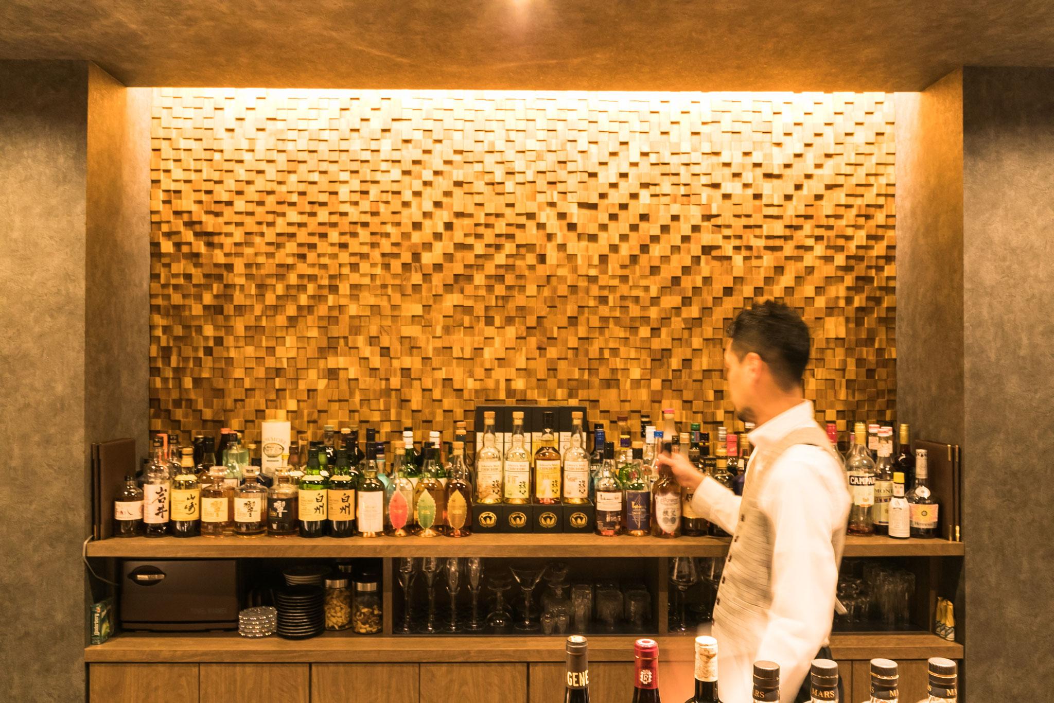 イチローズモルトをはじめ,ジャパニーズウイスキーを豊富により揃えています。