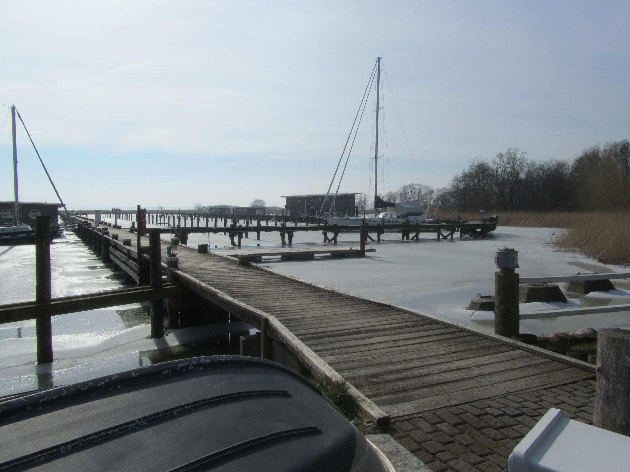 Naturhafen Krummin auf Usedom zugefroren