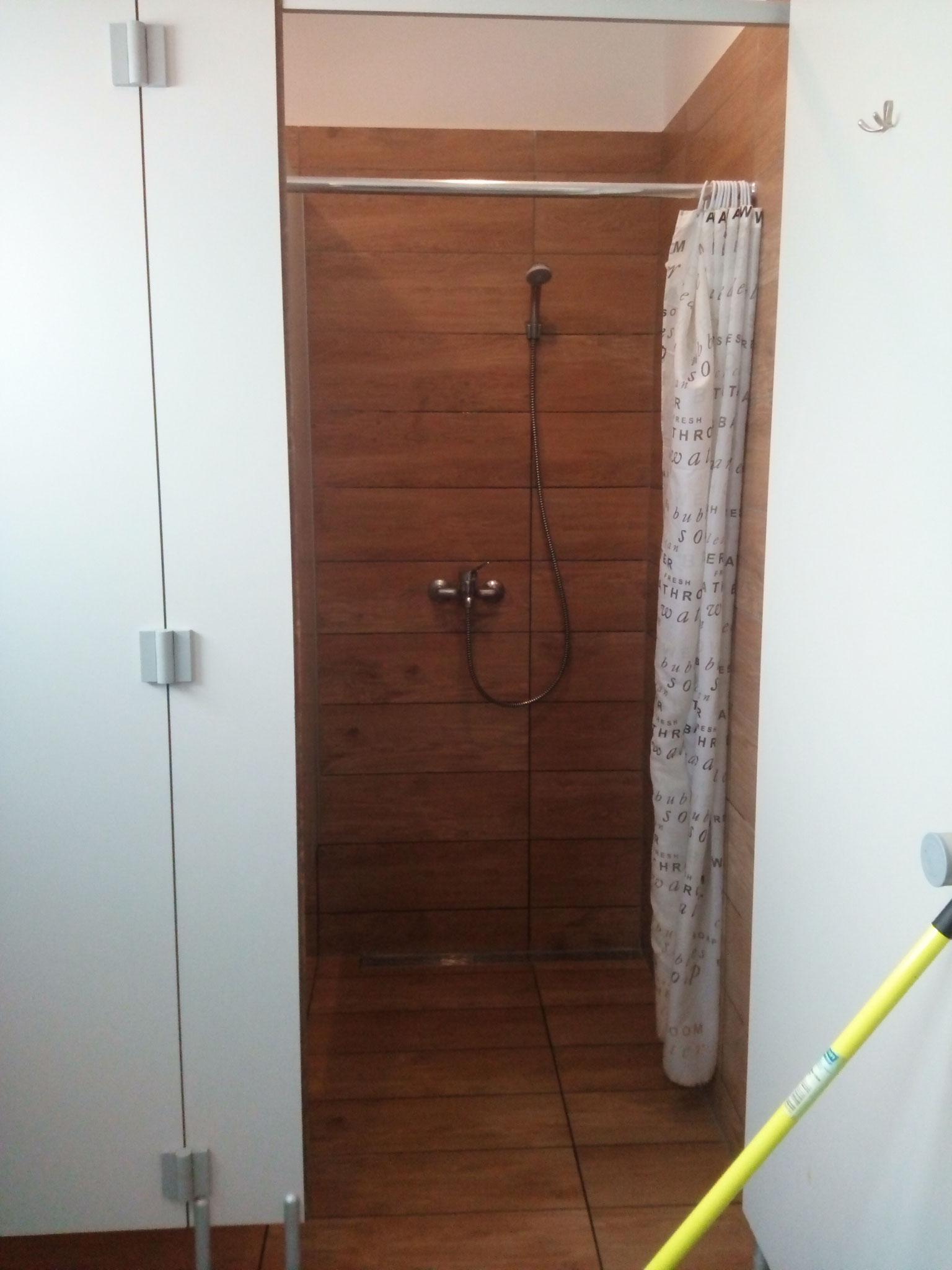 saubere Duschen in Dievenow