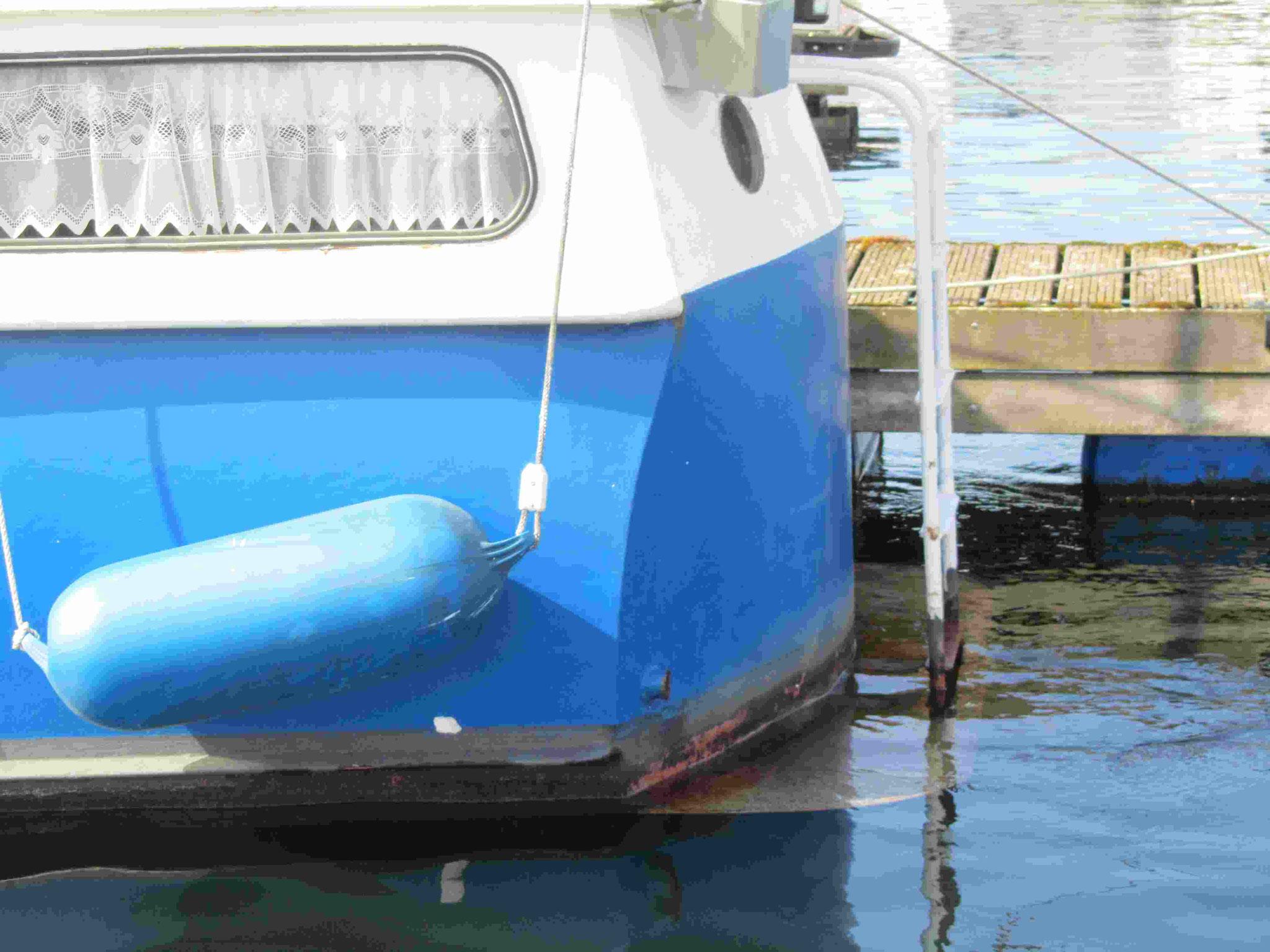 Unterwasserschiff vor dem Streichen