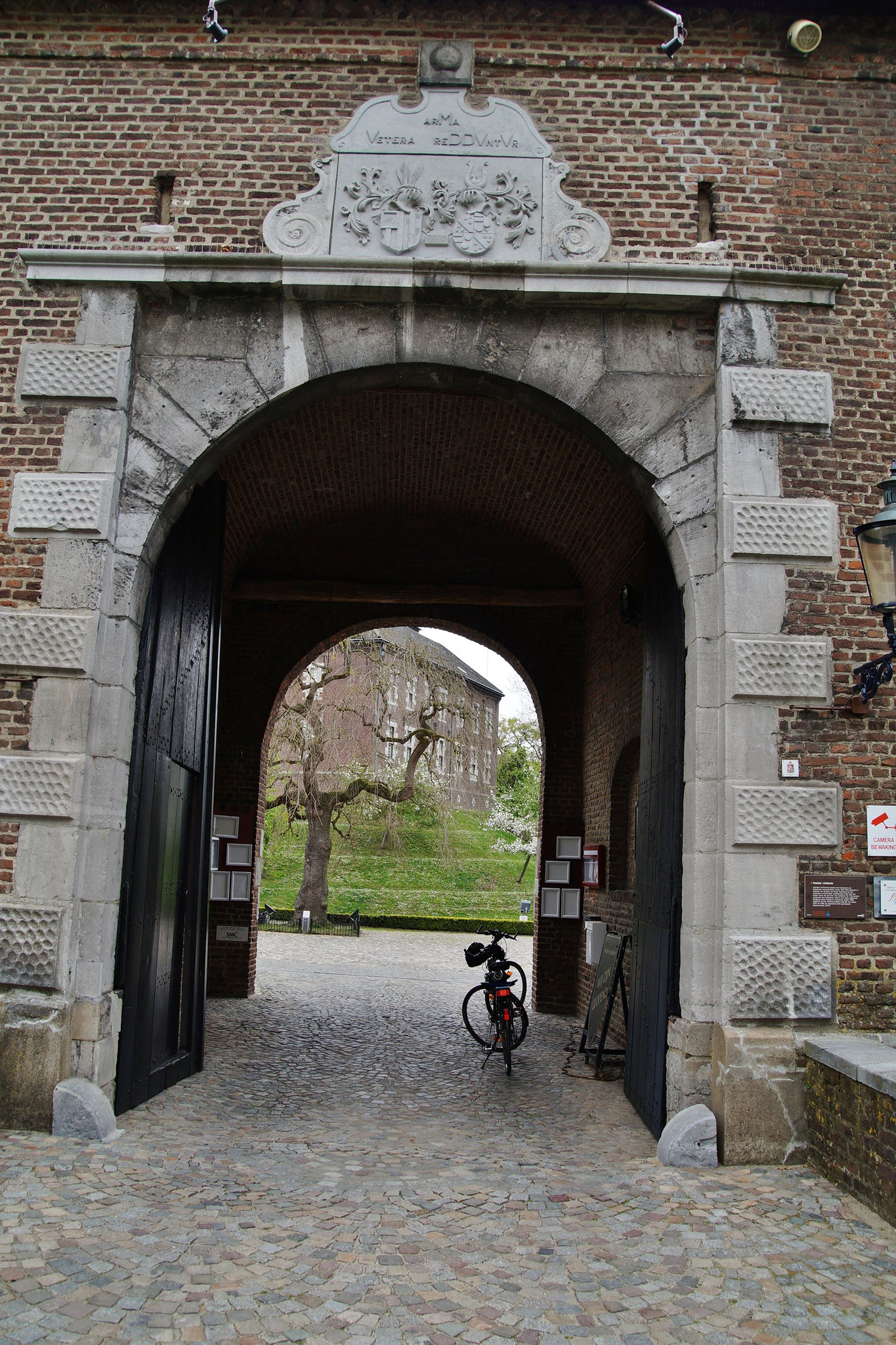 Das Eingangstor zum Kasteel von Limbricht (NL)
