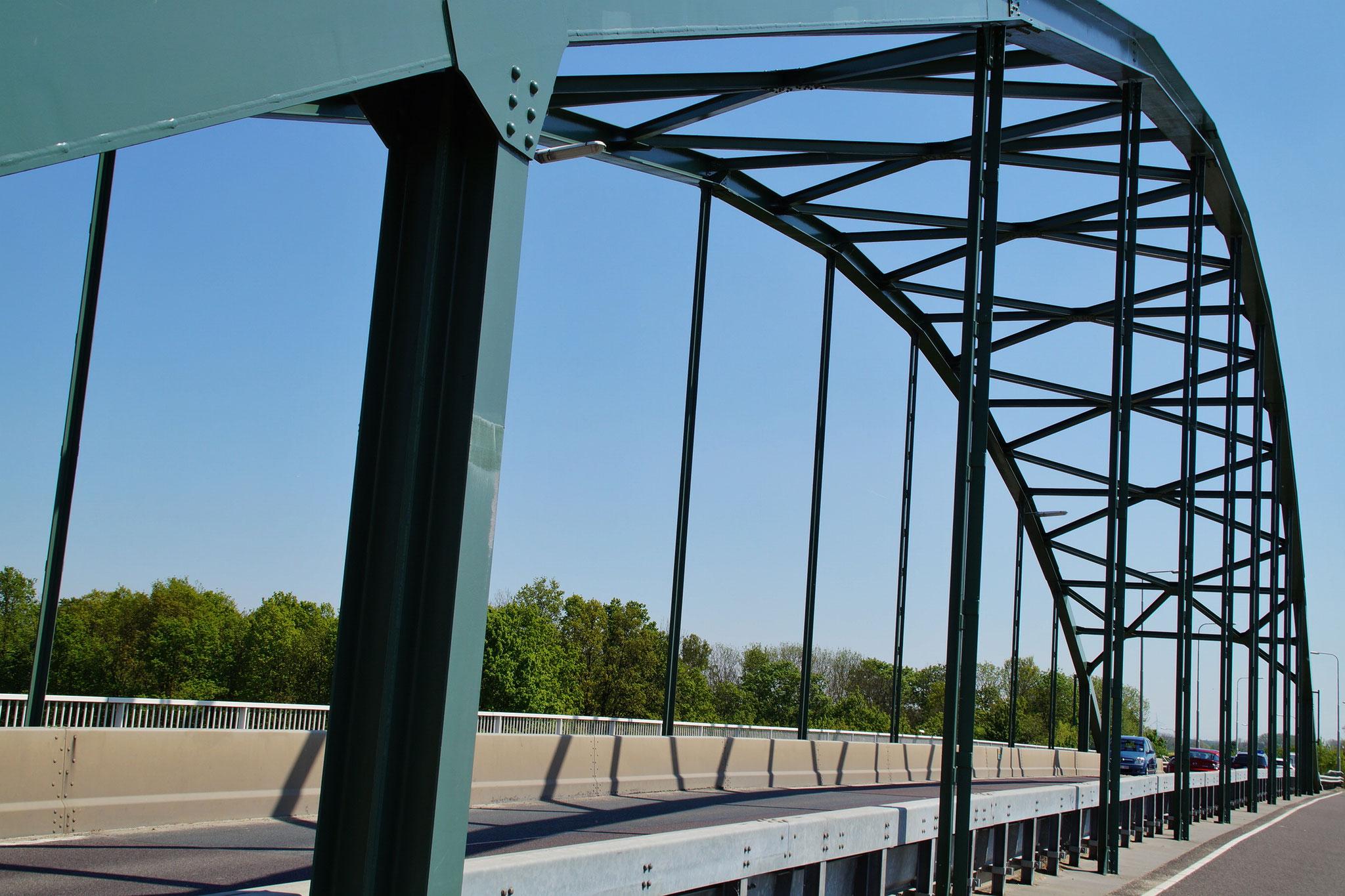 Die Brücke des Julianakanals