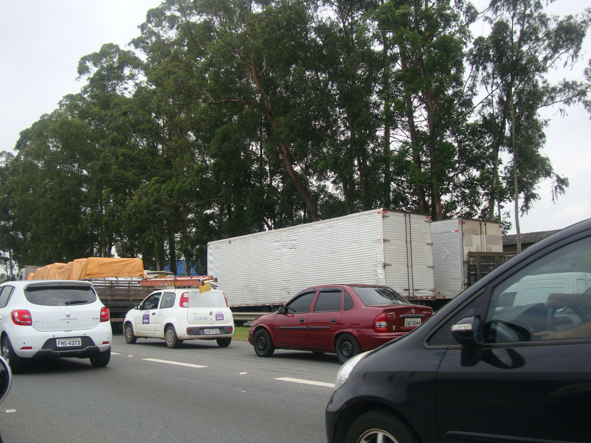 サンパウロを出発。運転が荒いので要注意です!