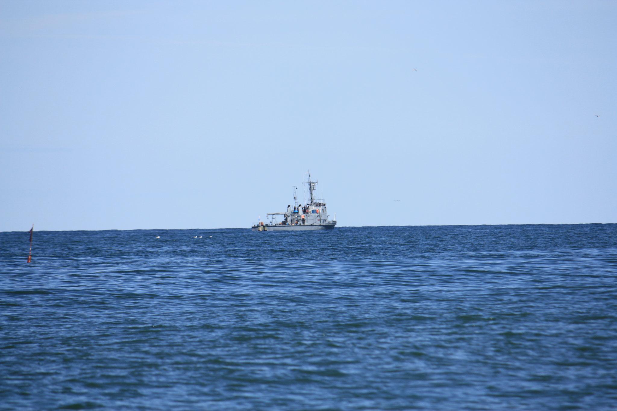 Wachboot eines militätischen Sperrgebietes hier vor der Küste. Russland ist nicht weit.....