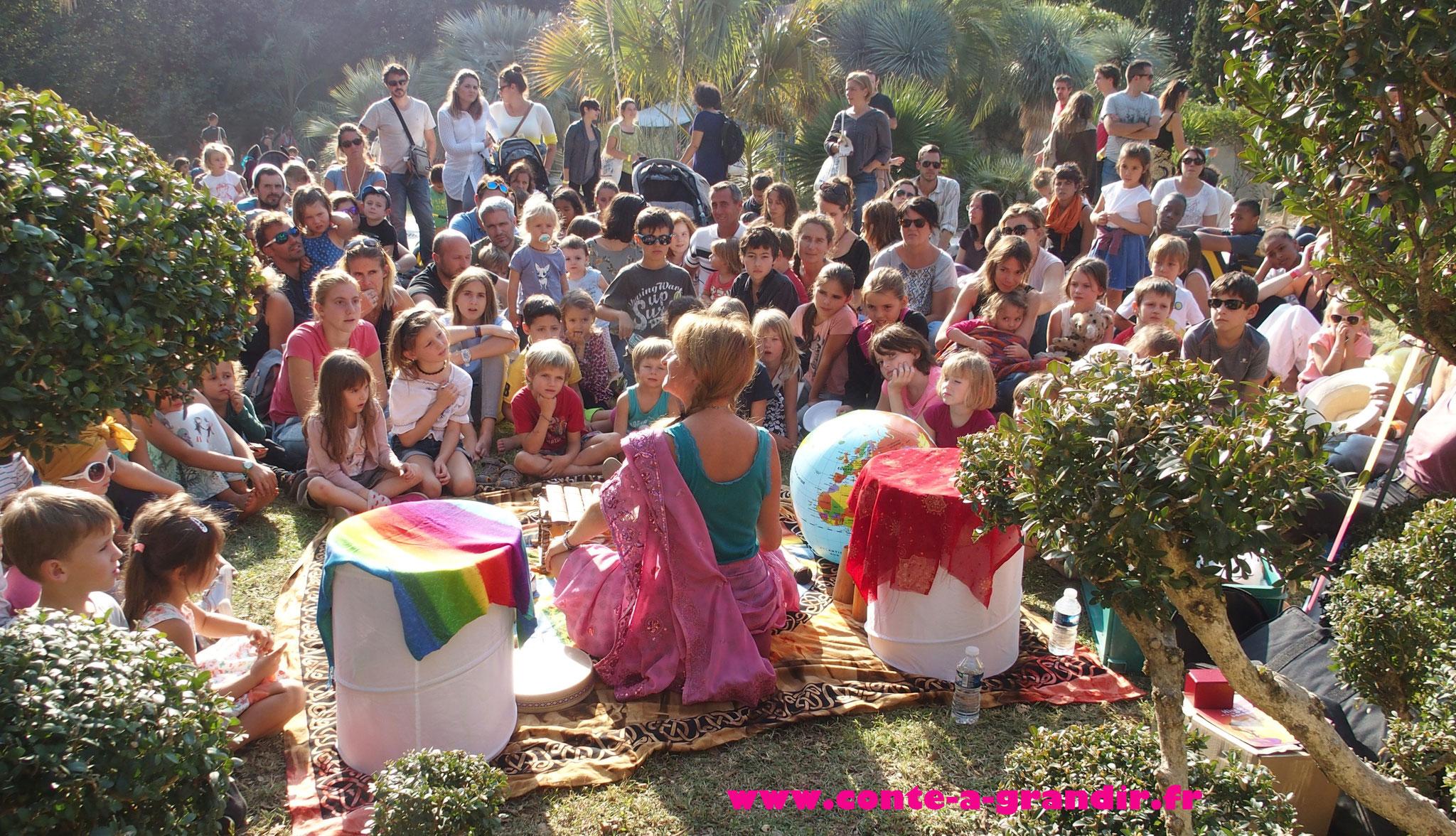 Conte philosophique pour enfants Hiya et la clé du bonheur au festival pour l'école de la vie