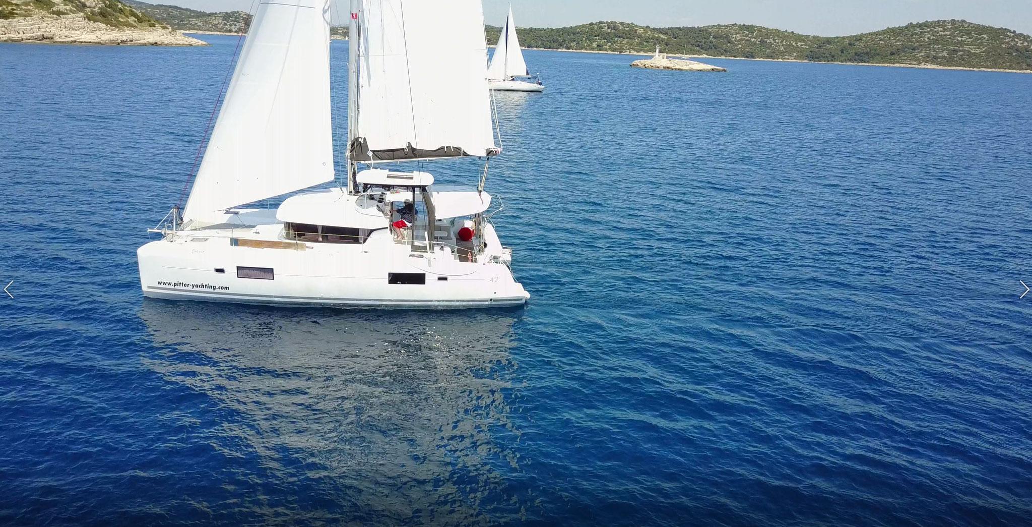 Katamaran segeln als Charter Kroatien von SCT Marina in Trogir - www.katamaramtraum.com