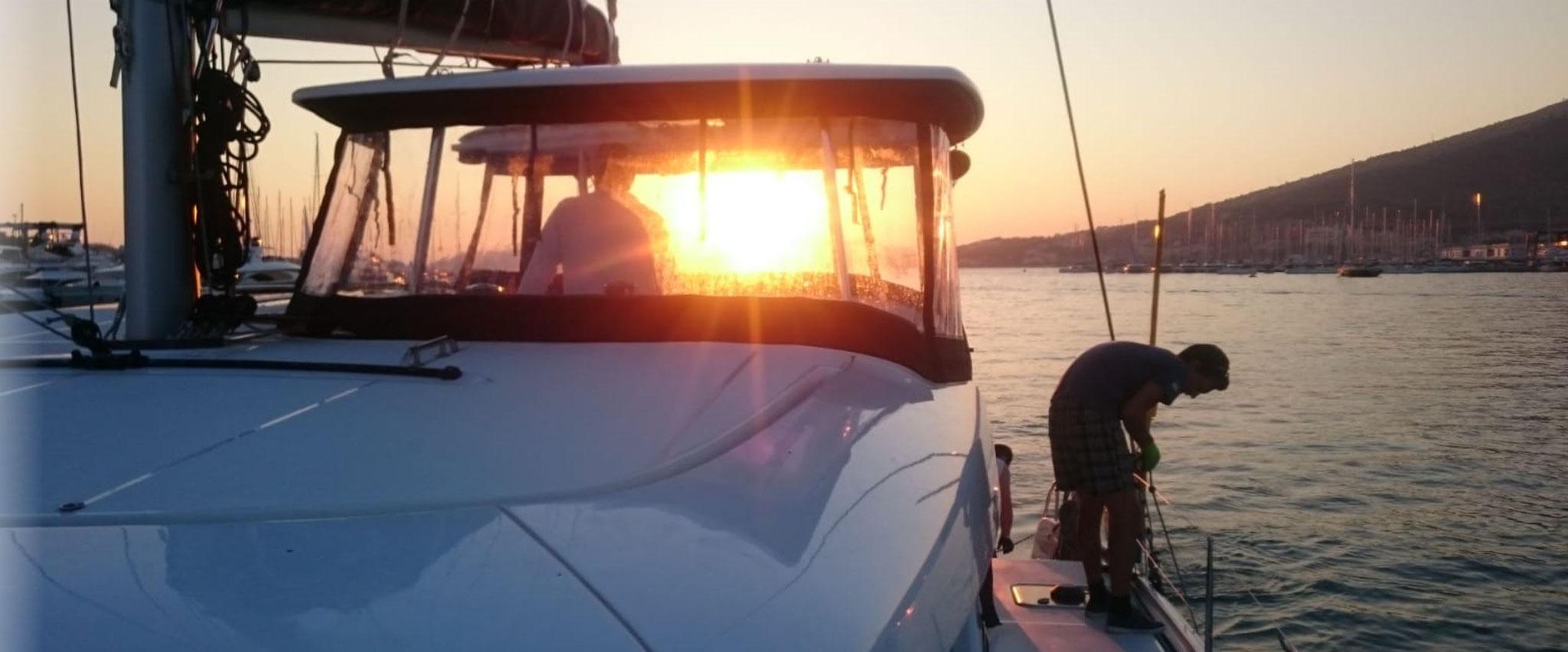 Fertigmachen zum Anlegen - Der Segelurlaub geht zu Ende