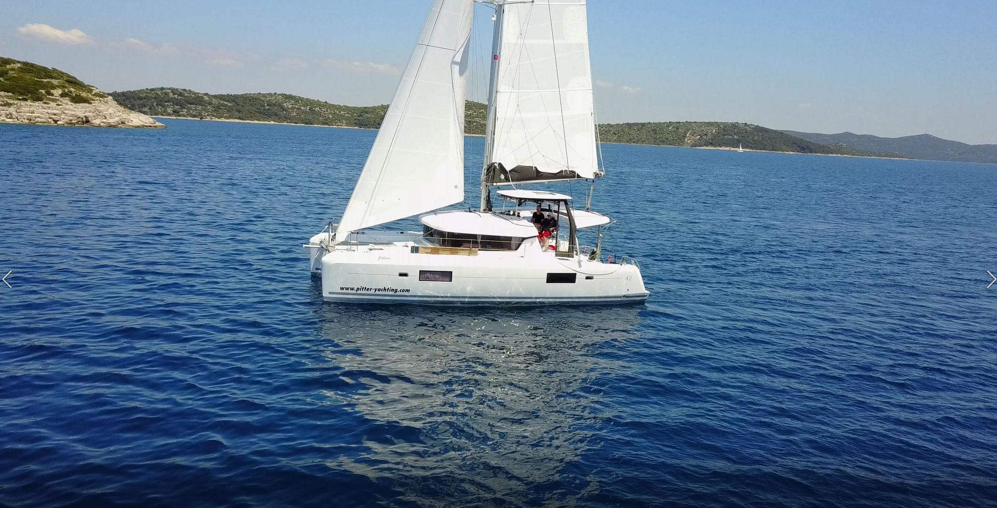 Katamaran segeln luxus  Katamaran Segeln Sie wie in einem Luxushotel - Katamarantraum