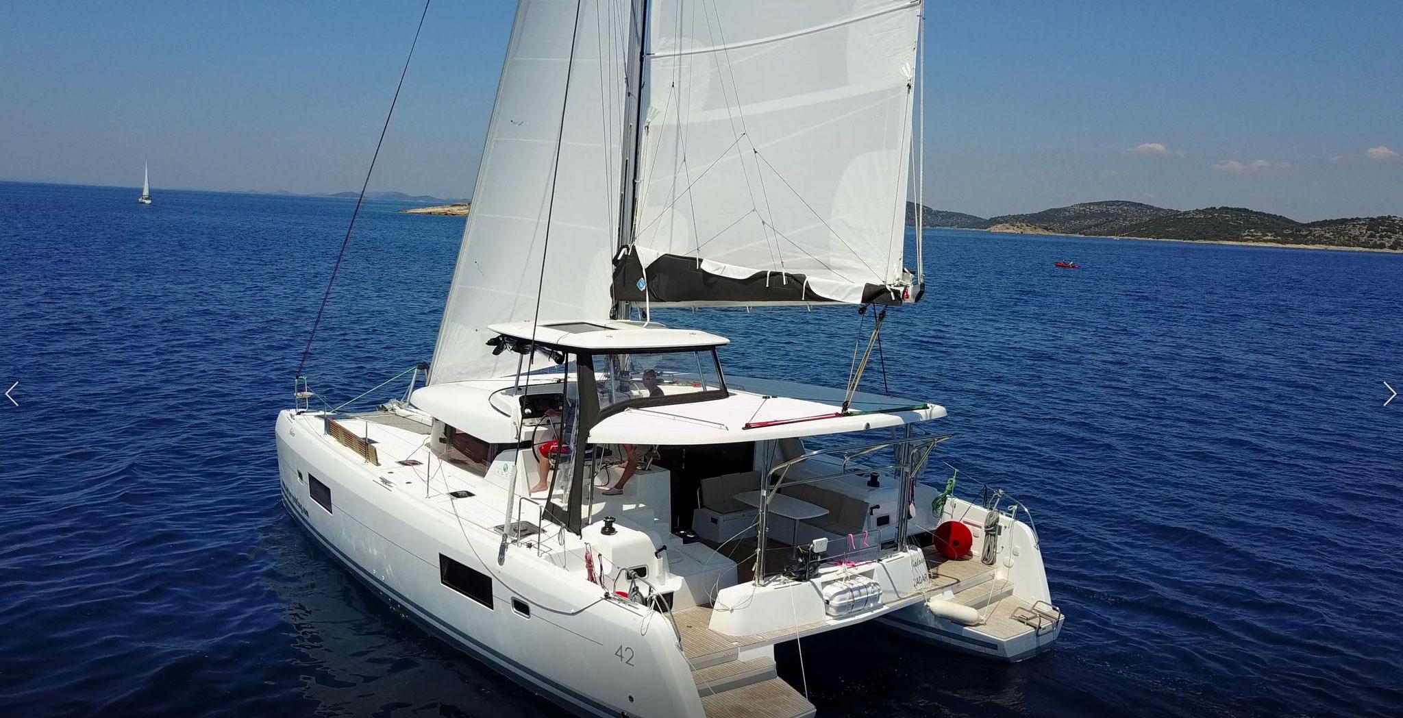 Katamaran segeln als Überführungstörn mit Seemeilenbestätigung - www.katamaramtraum.com