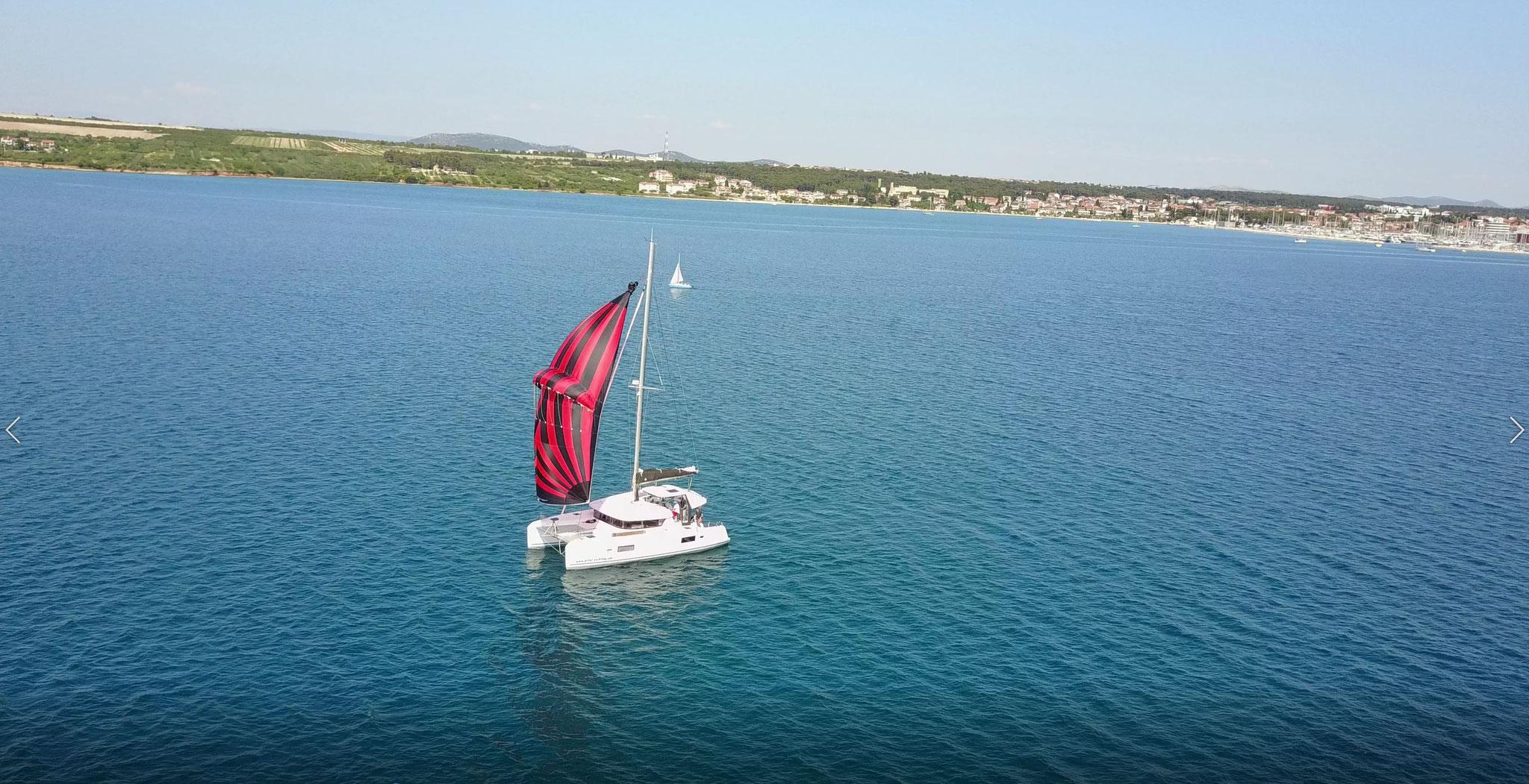 Karamaran fahren als Mitsegeln durch das Mittelmeer     -      www.katamarantraum.com