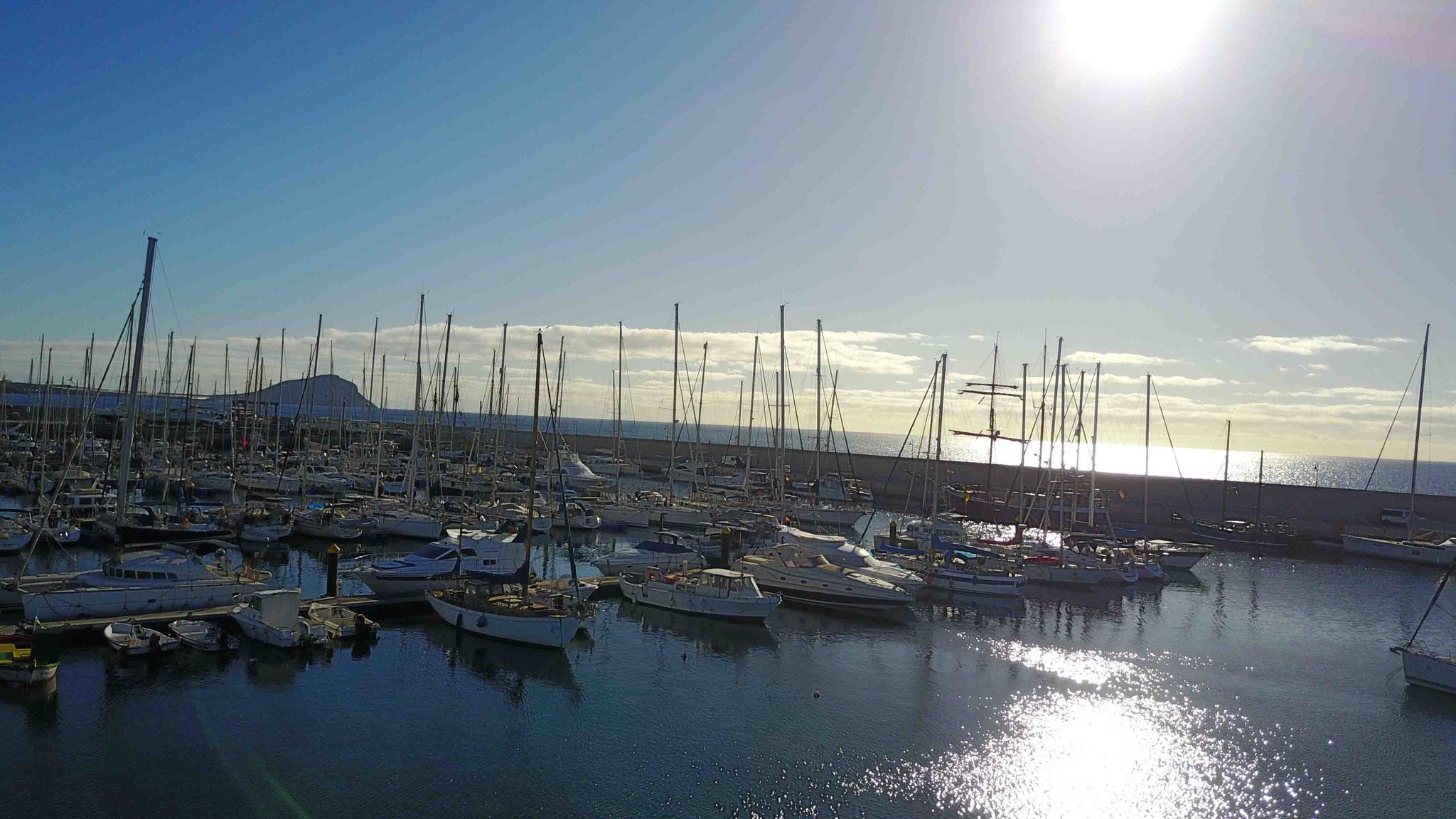 Schiffe in Marina Saint Miguel - 4 km von Flughafen Teneriffa Süd