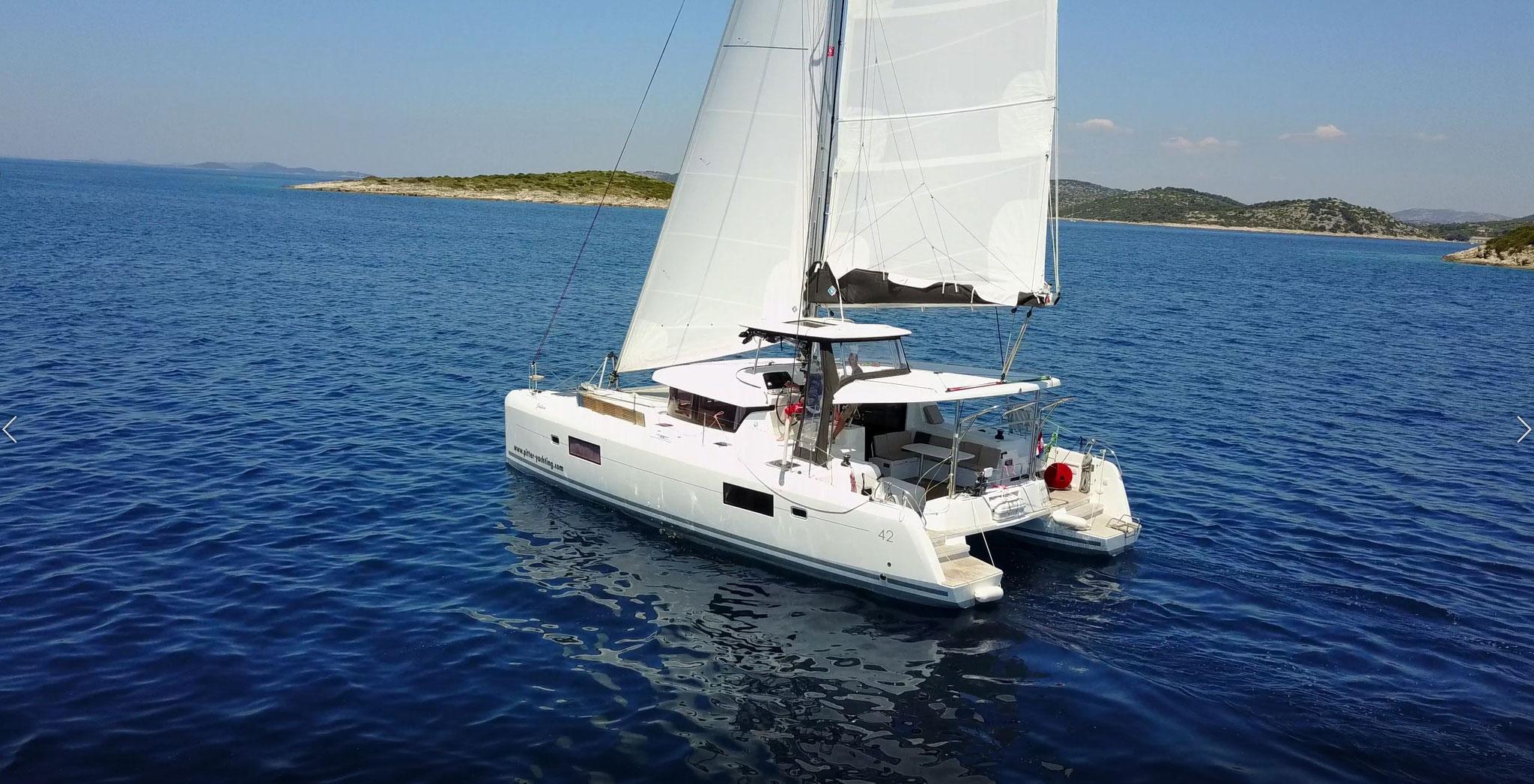 Katamaran segeln als Mitsegeln um Seemeilen zu sammeln - www.katamaramtraum.com