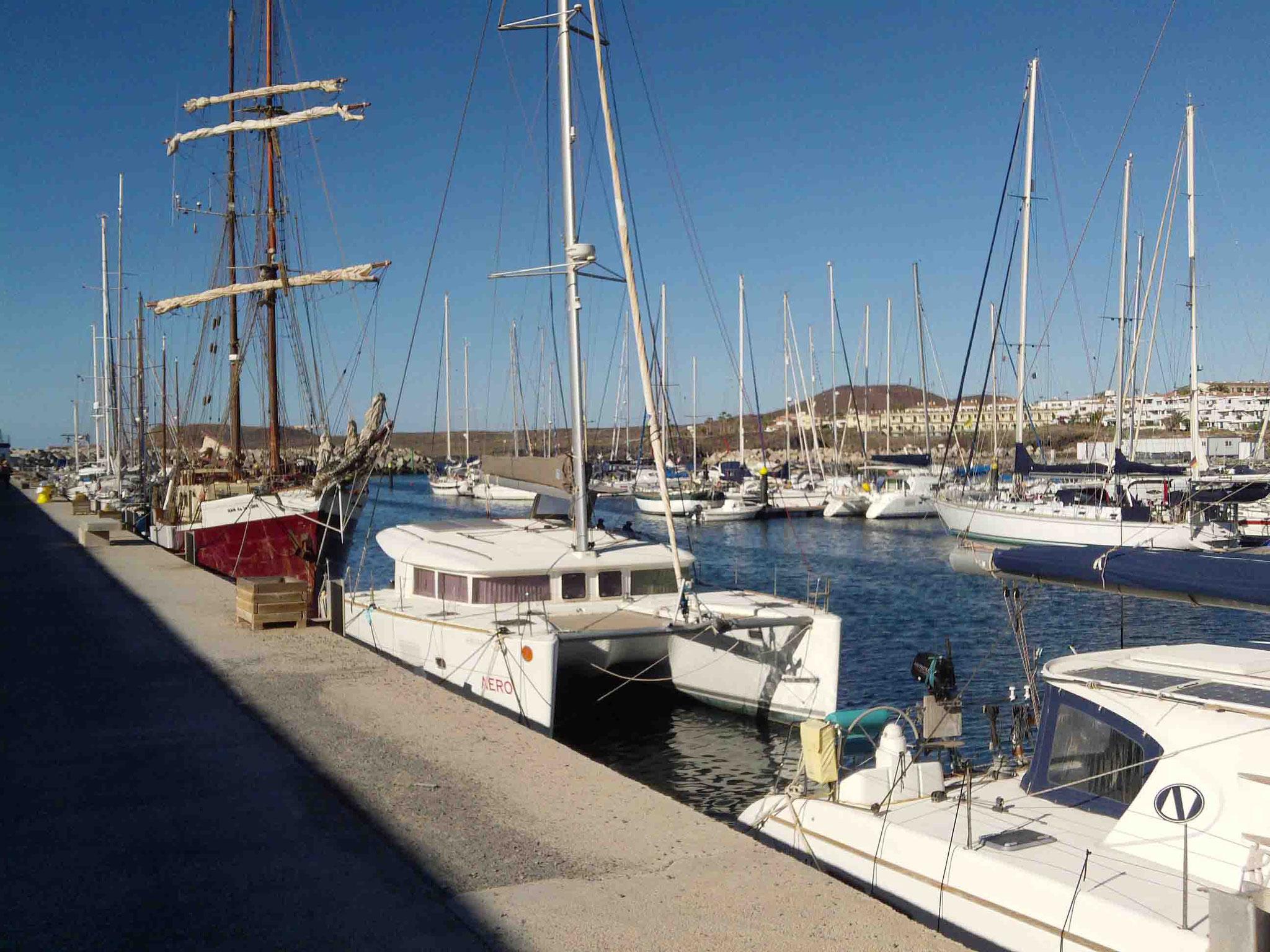 Anlegestelle an der Ausßenmauer von Marina Saint Miguel - Teneriffa