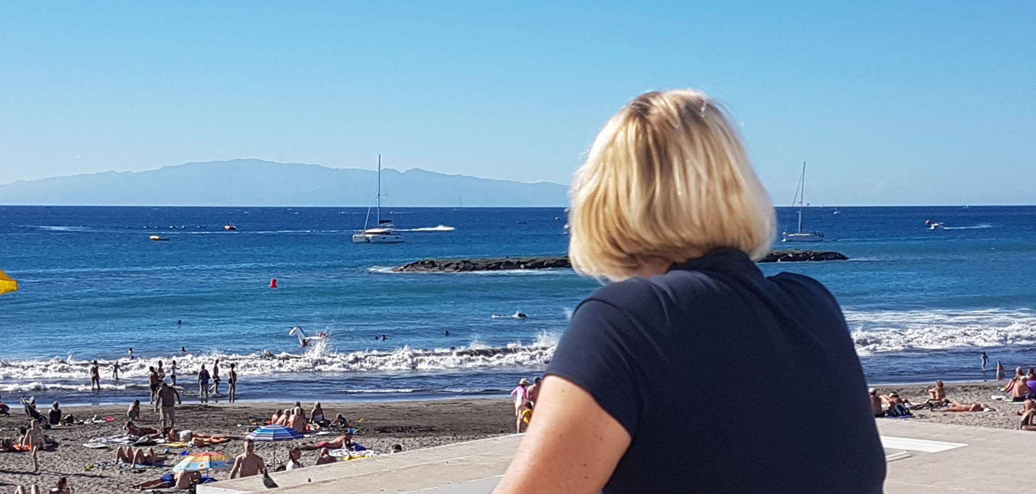 Meine Frau Blickt herunter auf Katamaran Lagoon 42 Yachtcharter