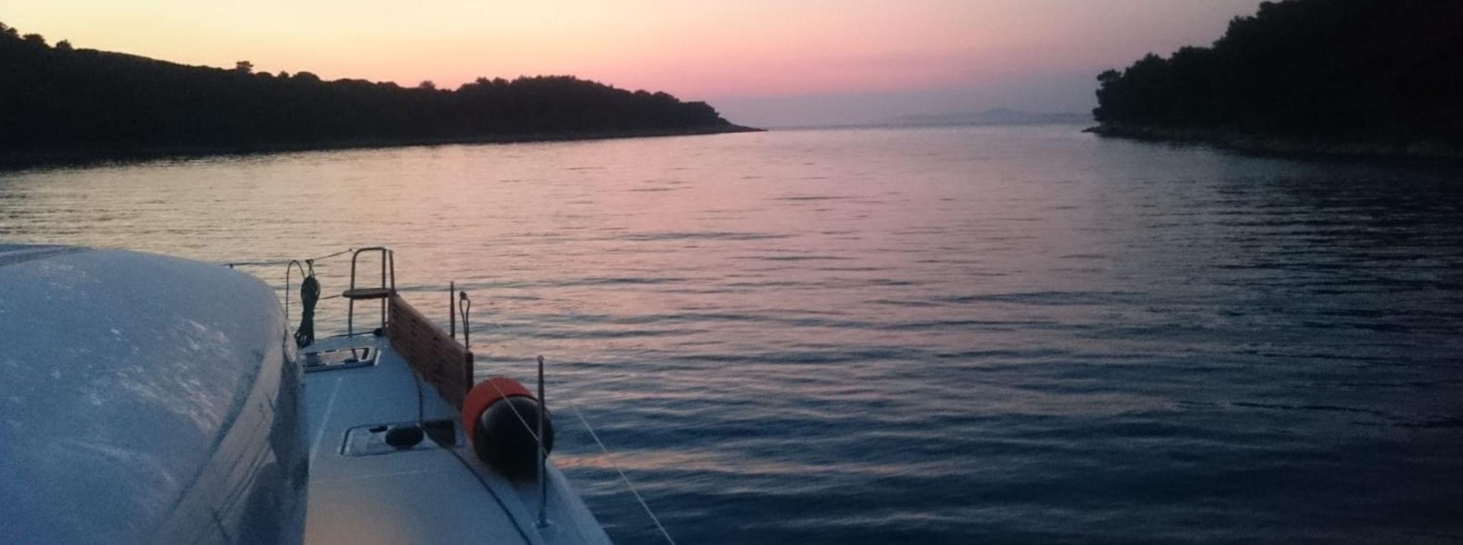 Sonnen Aufgang am nächsten Segelferien Tag
