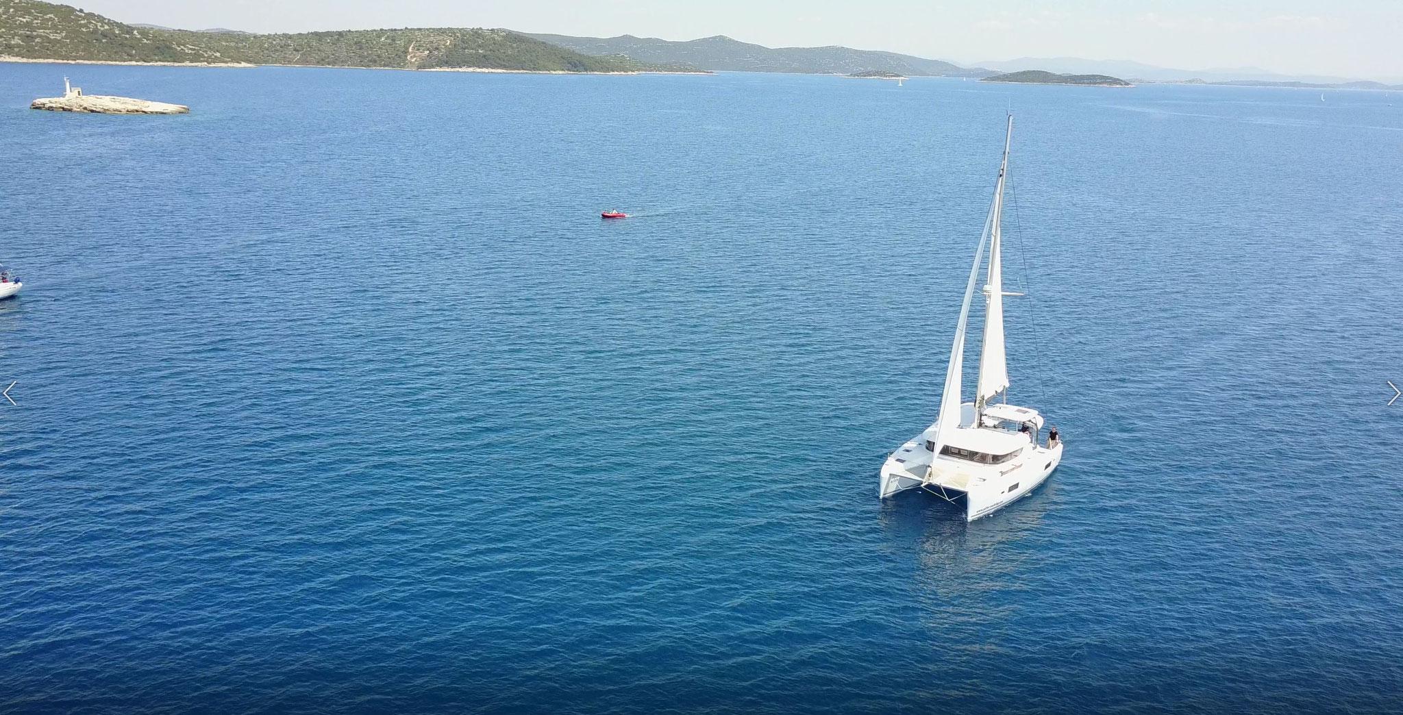 Katamaran segeln als Hochseesegeln im Herbst durch Mittelmeer und über den Atlantik - www.katamaramtraum.com