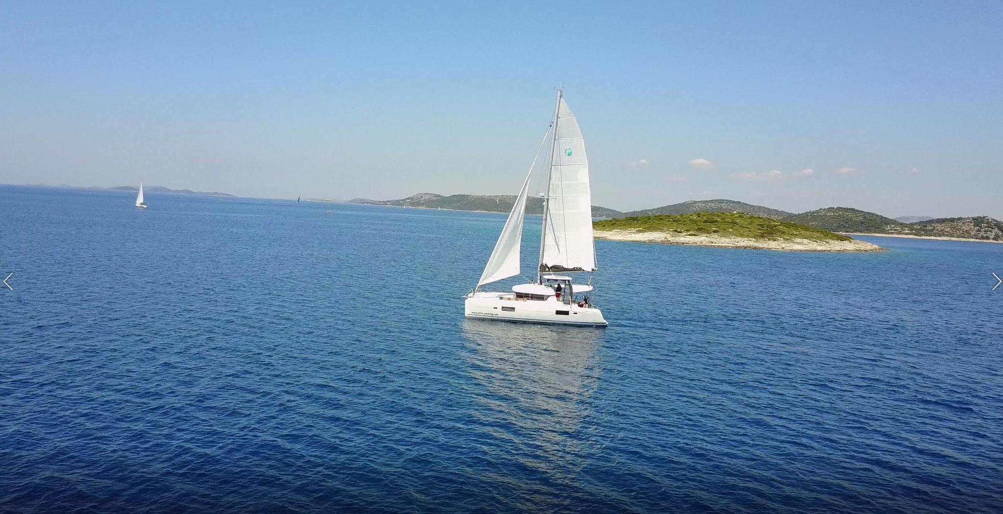 Katamaran segeln als Segelurlaub mit Skipper in Kroatien - www.katamaramtraum.com