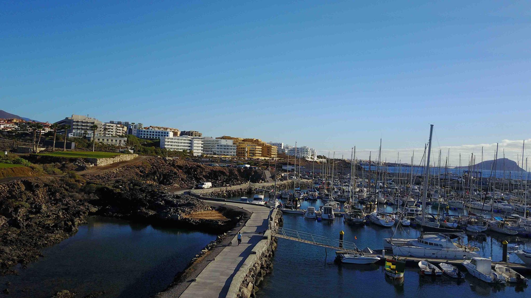 Die verschiendeste Anlegestege von Marina Saint Miguel - Teneriffa