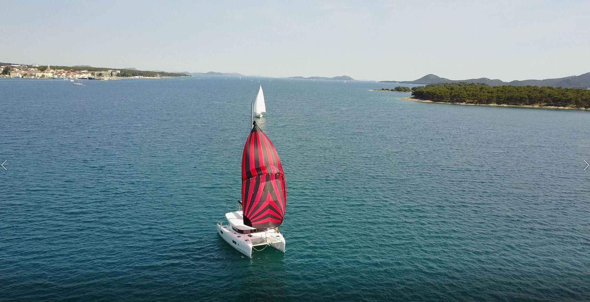 Karamaran fahren als Vorbereitung für Segelscheine inklusive Seemeilennachweis    -    www.katamarantraum.com
