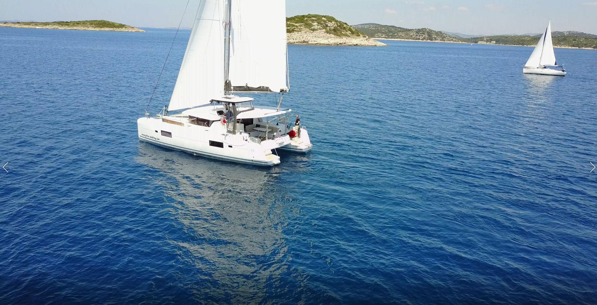 Katamaran segeln als Charter Kroatien von Trogir bei Spllit - www.katamaramtraum.com