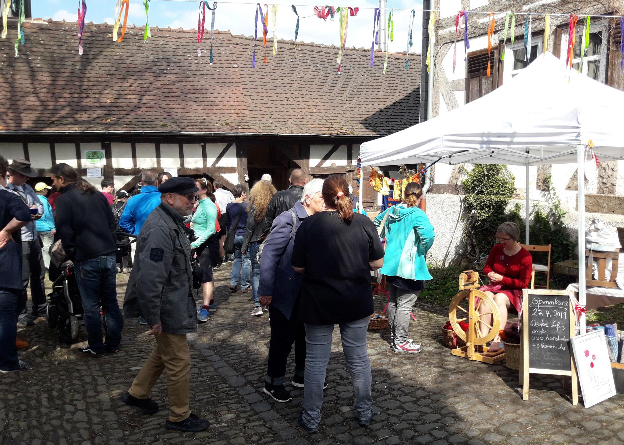 Leute, Leute, Leute (Frühlingsmarkt)