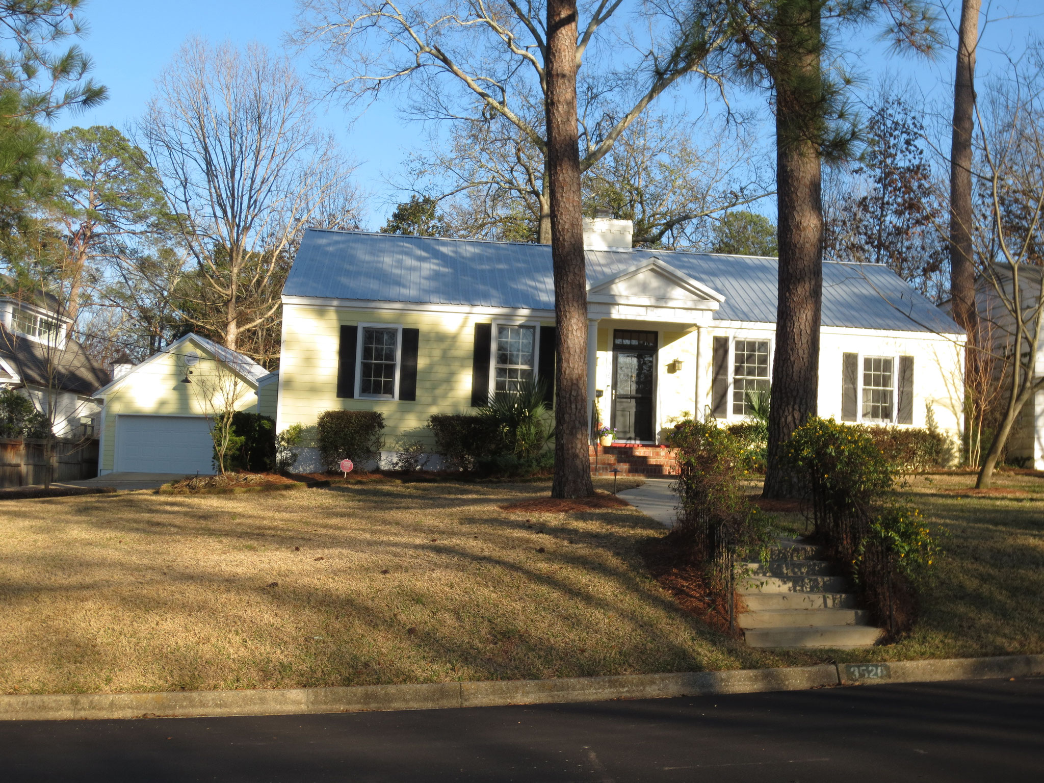 Prime Fondren location, immaculate 3/3 updated, too!  3520 Kings Hwy, Jackson