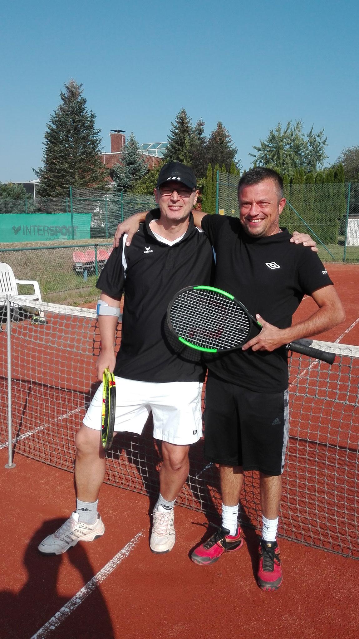 Finalisten bei den Herren 40: Dirk Lühr und Gregor Wacker 0:6 1:6