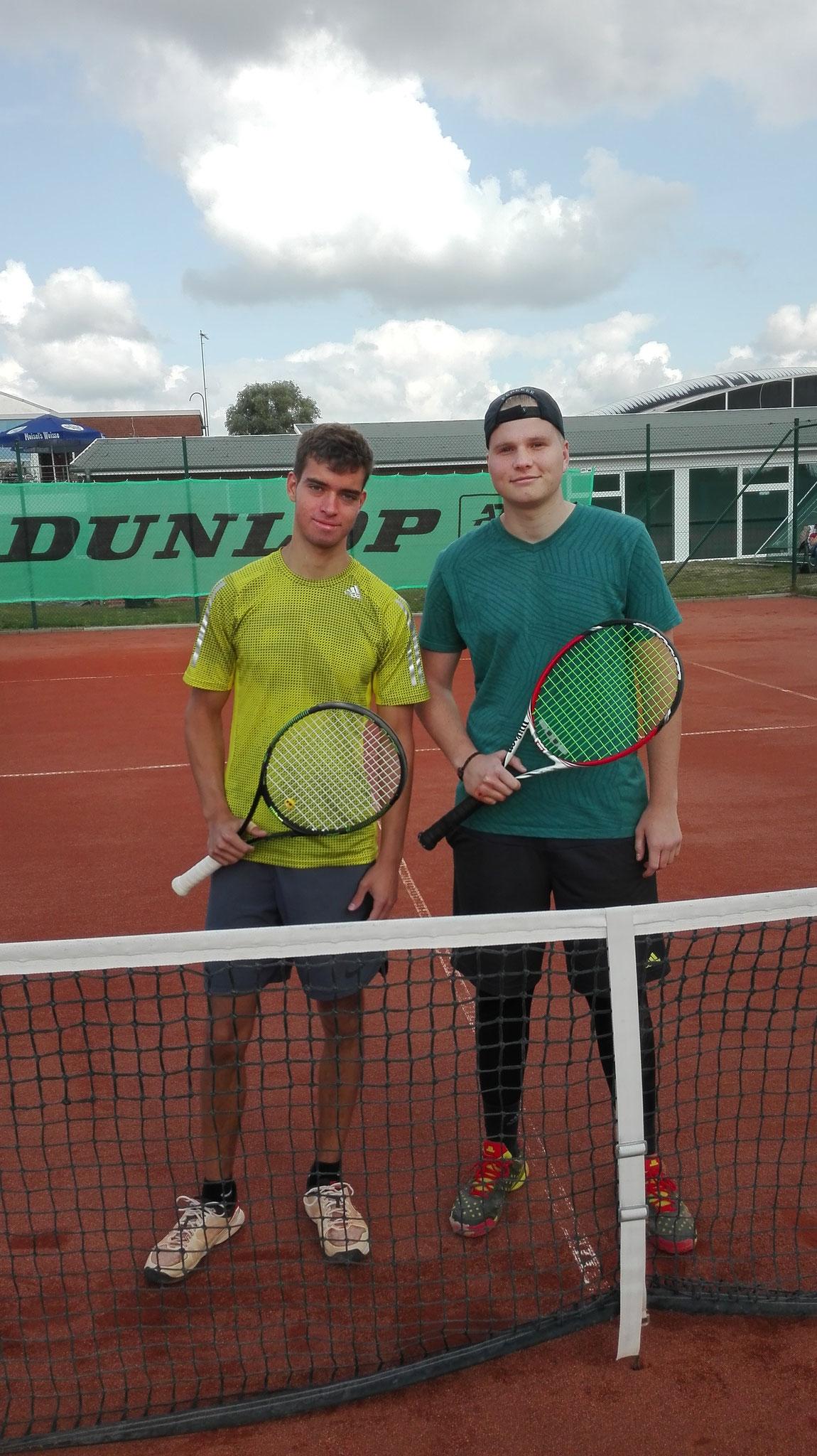 Finalisten bei den Herren: Timon Gerdau und Bastian Höbermann  6:7 1:4 Auf.
