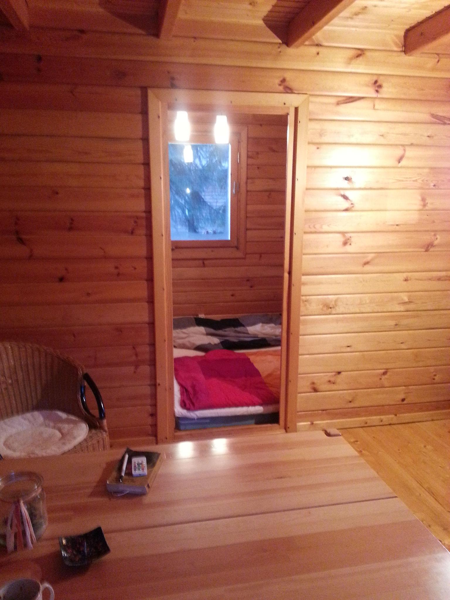 Das Schlafzimmer ist winzig. Bis heute fordert es Kompromisse.