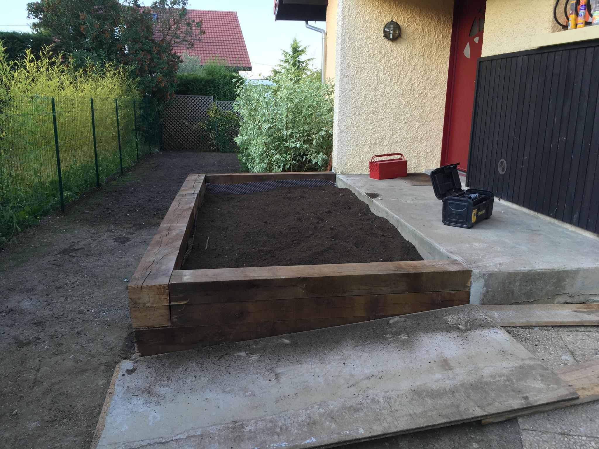 Apport de terre vegetale amendée