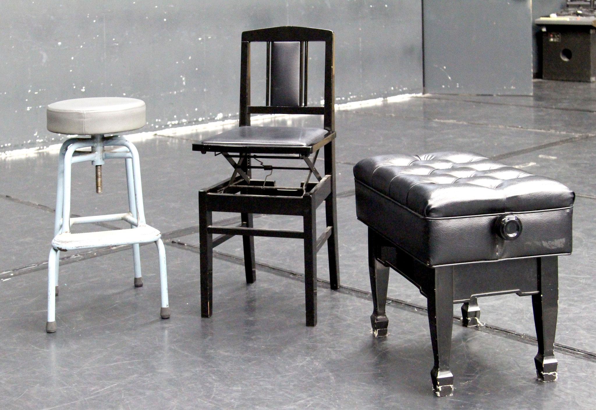 バス椅子 1脚 / 背付ピアノ椅子 2脚 / ピアノベンチ椅子 1脚