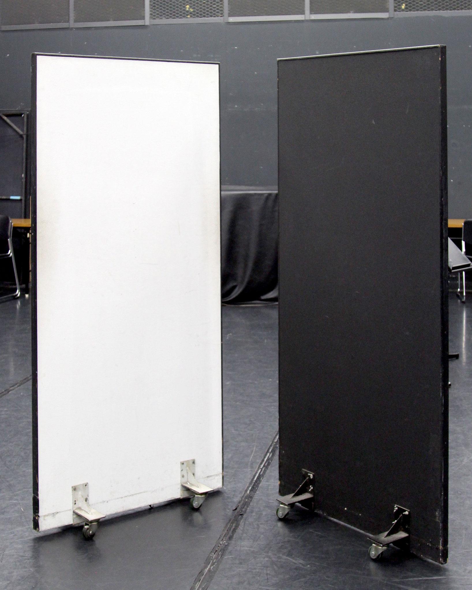 白黒パネル(キャスター付)3尺×6尺 14枚