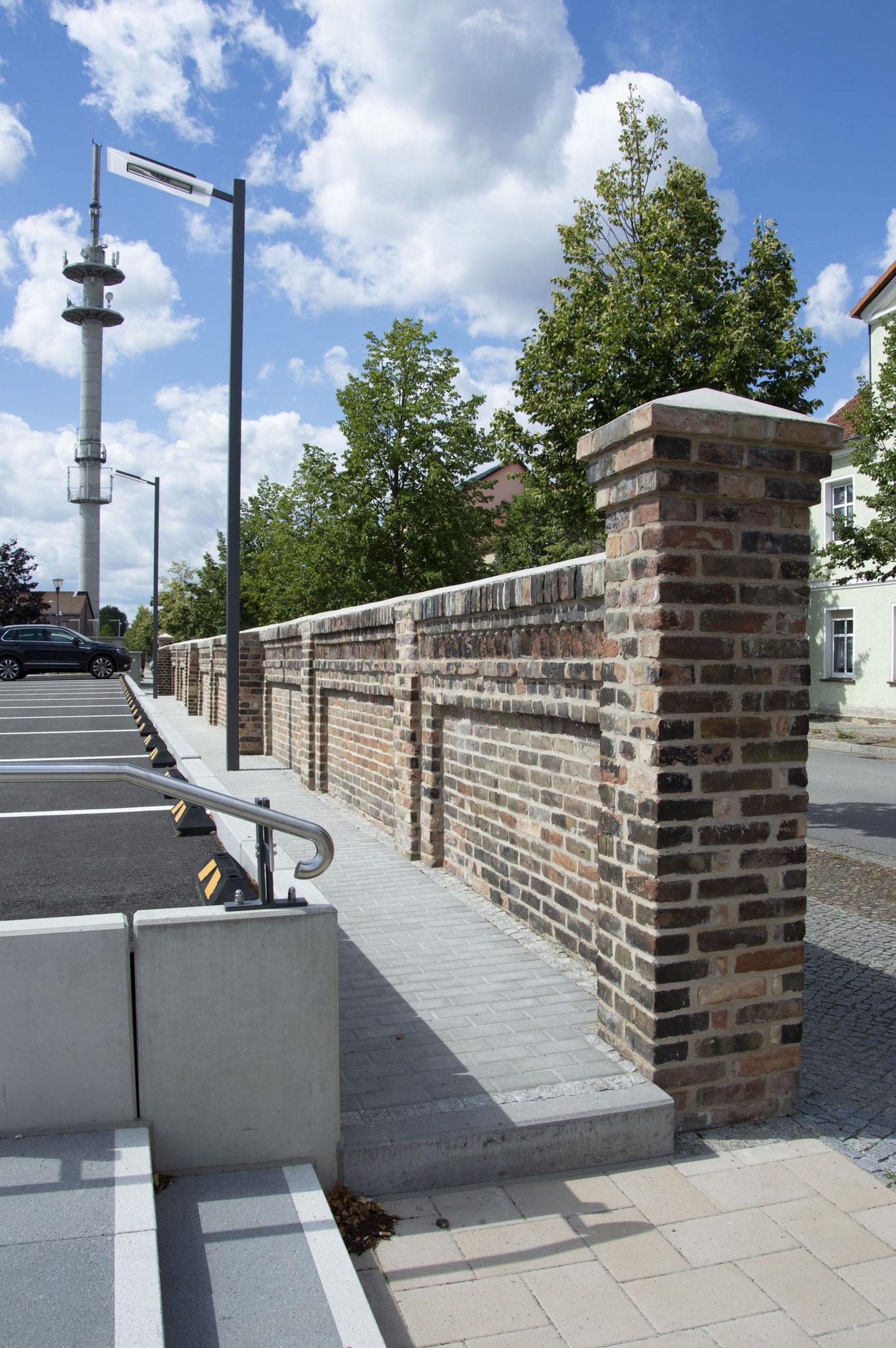 Mauer Parkplatz (Detail02) Luckenwalde