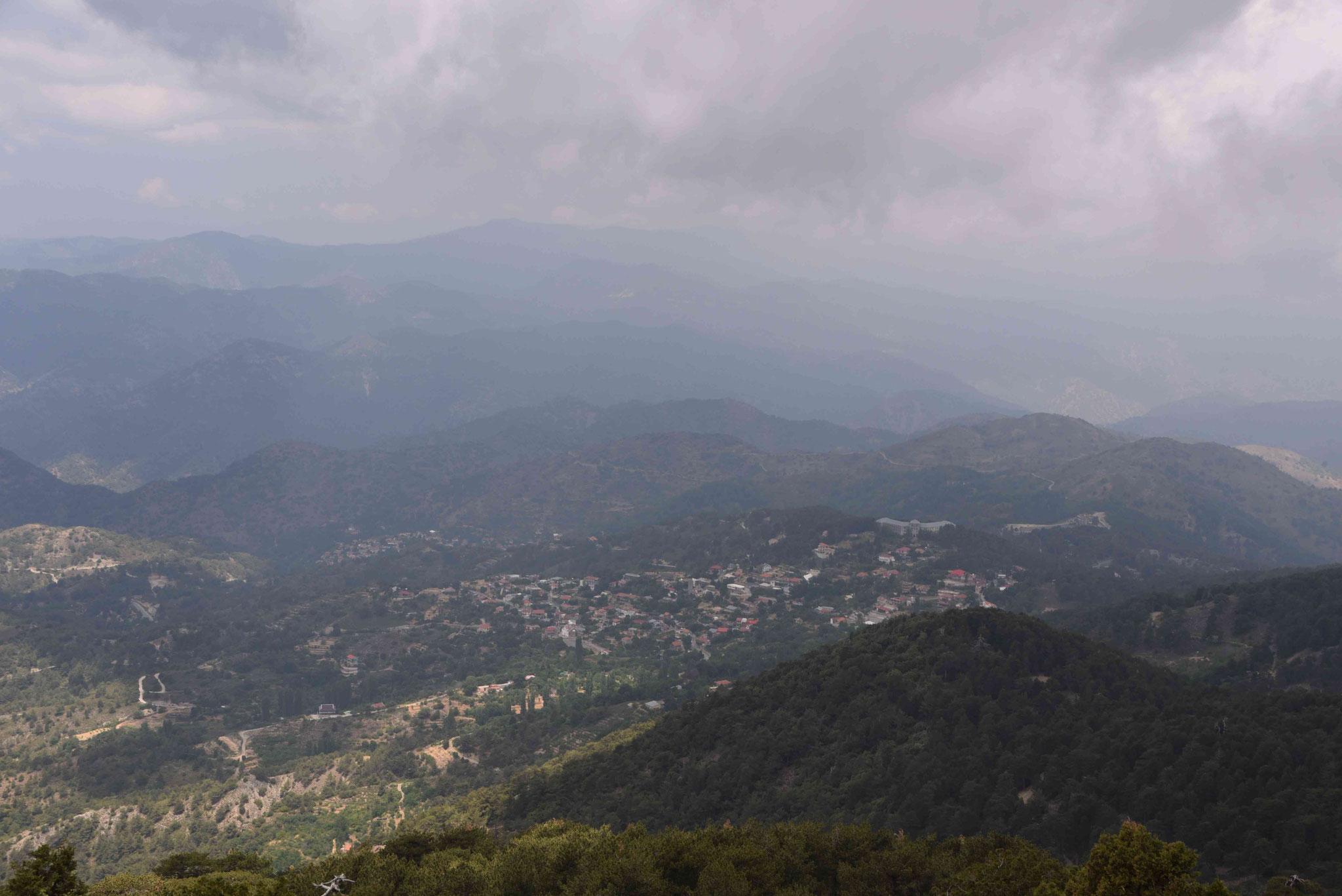 Nochmals den Blick über die Berglandschaft genießen